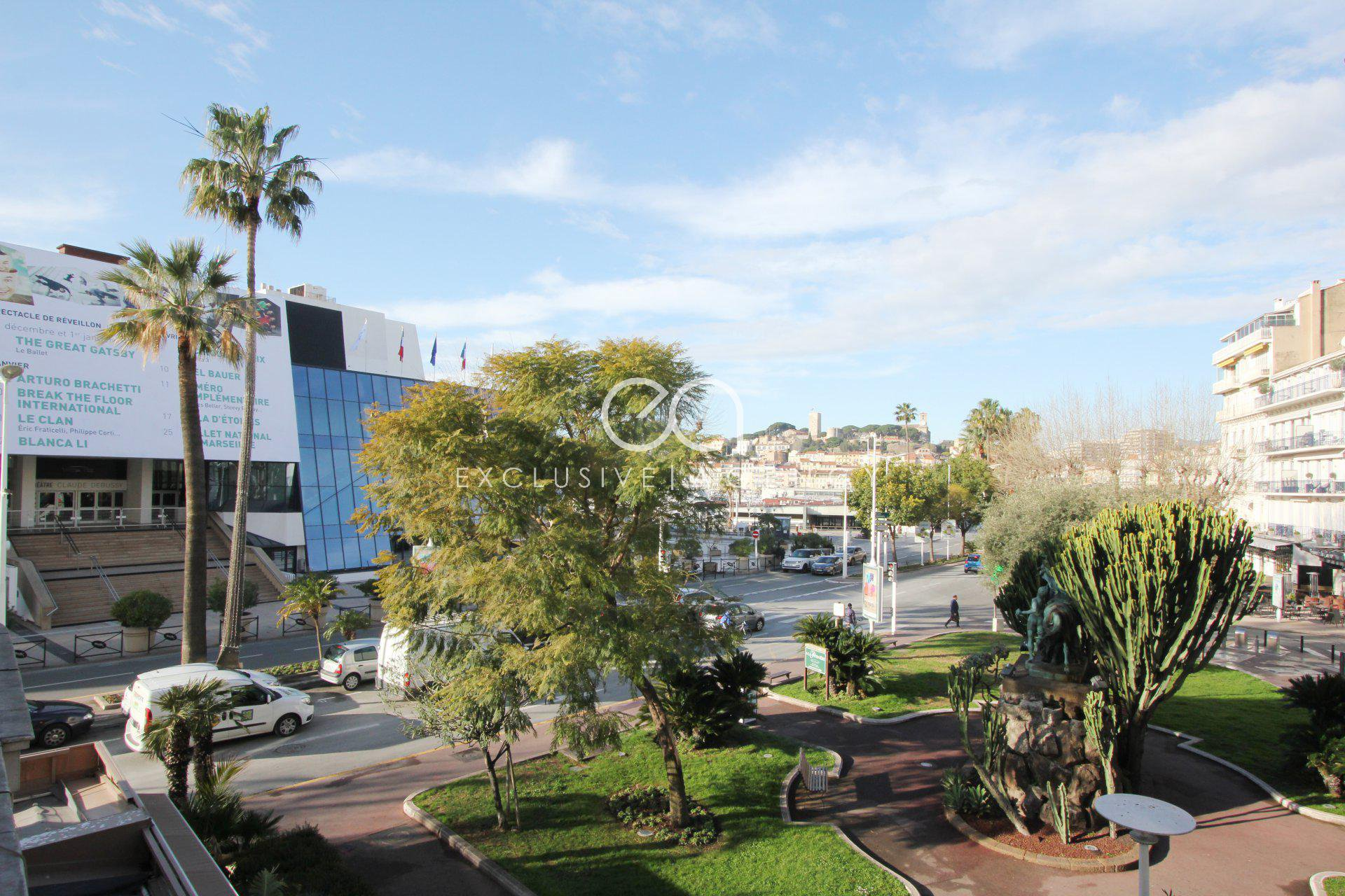 For sale apartment of 193sqm in front of the Palais des Festivals