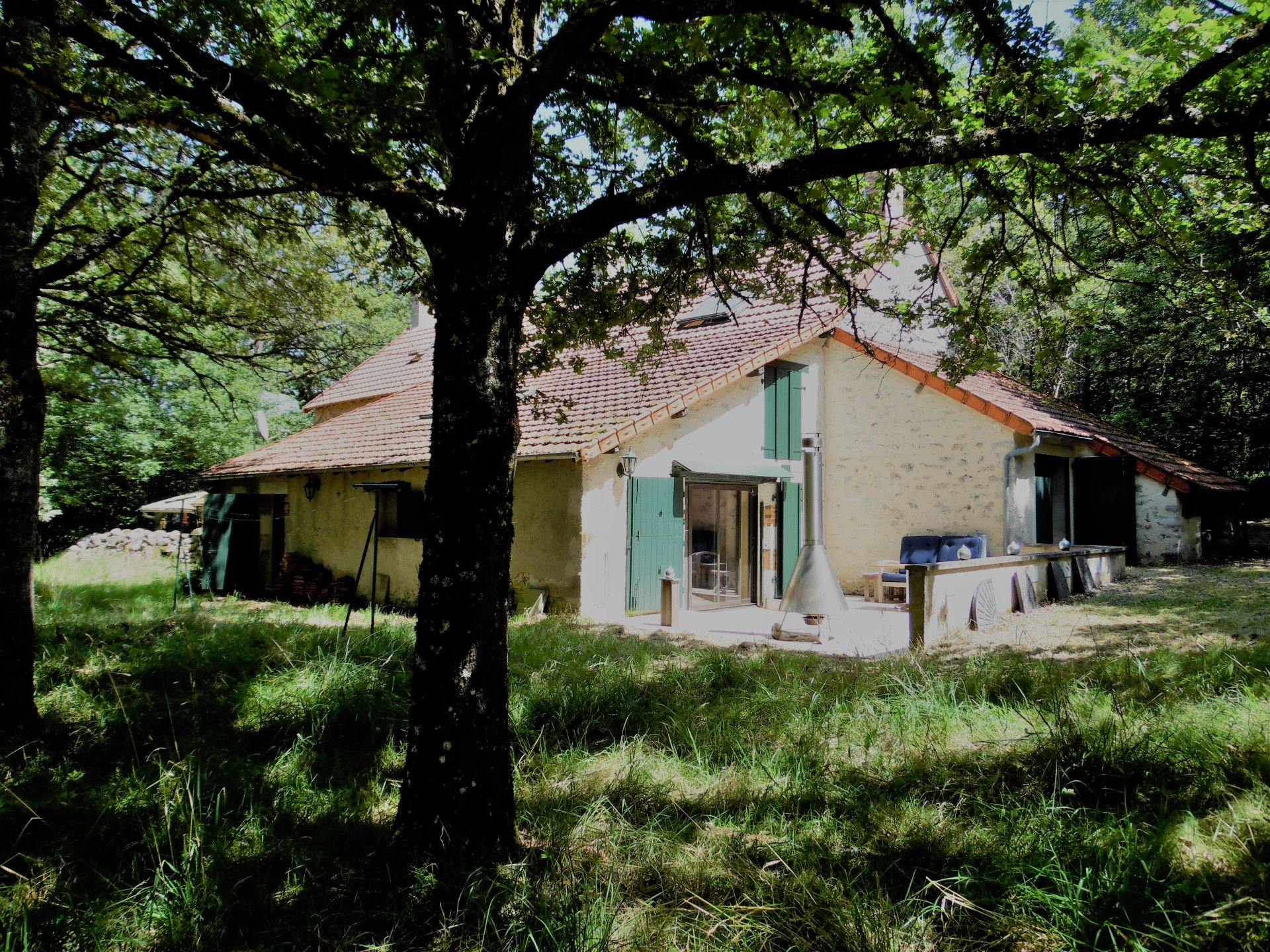 Nice fermette for sale in the Indre with a plot of 10 acres.