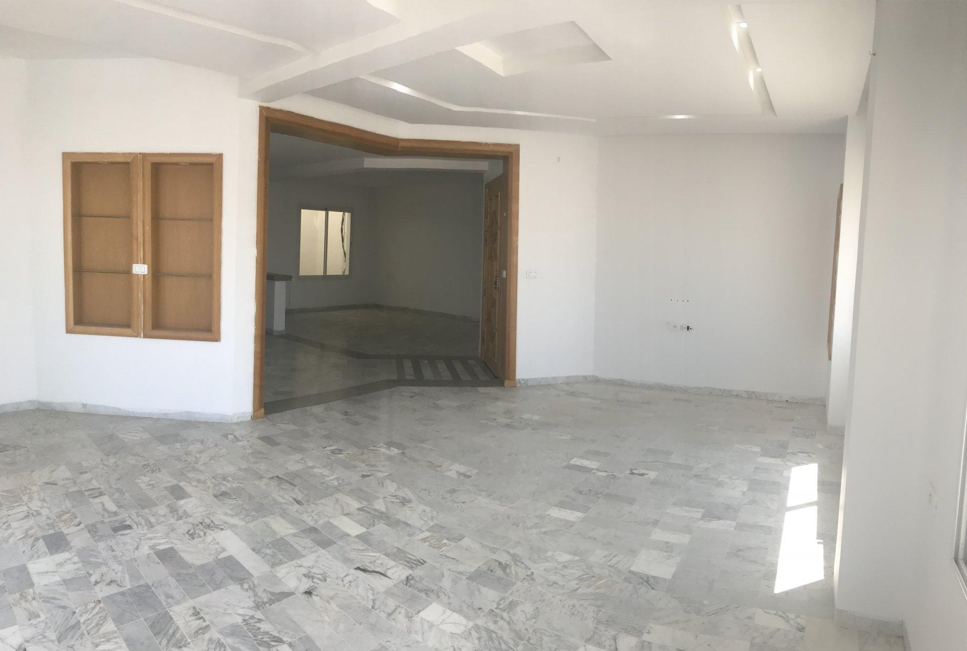Location étage de Villa S+3 à Ain Zaghouan Nord