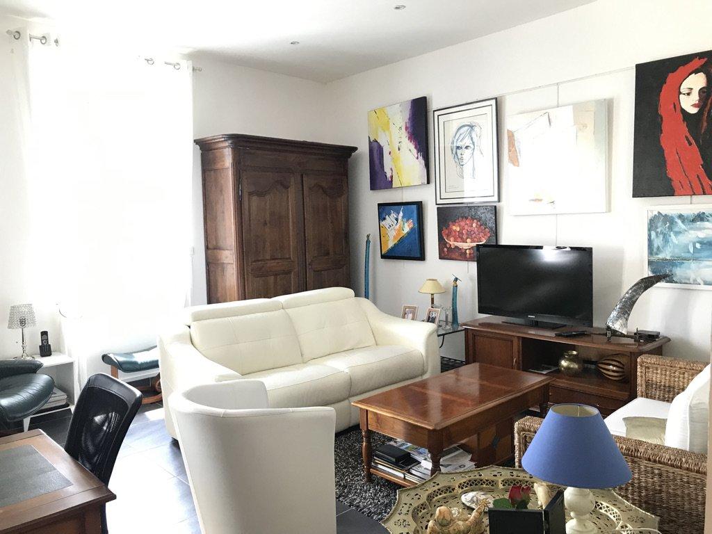 Quartier EDF, appartement de type 4  avec TERRASSE.
