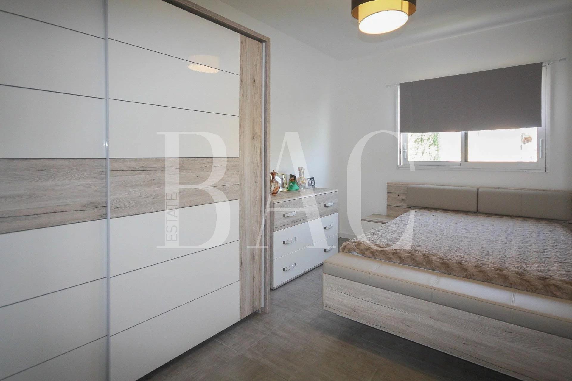 Saint-Raphaël, new contemporary villa close to shops