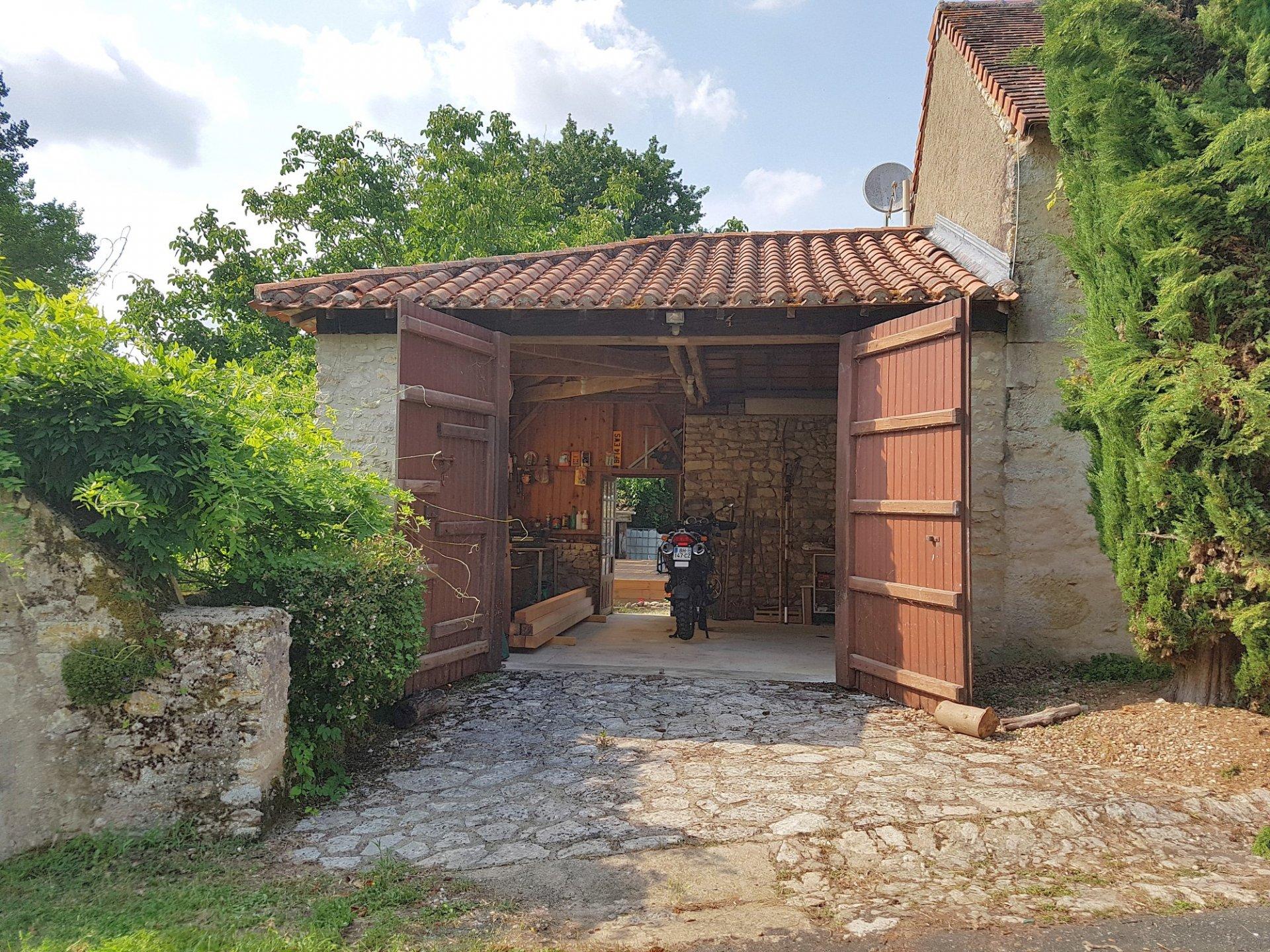 River side house for sale near St. Savin, Vienne 86