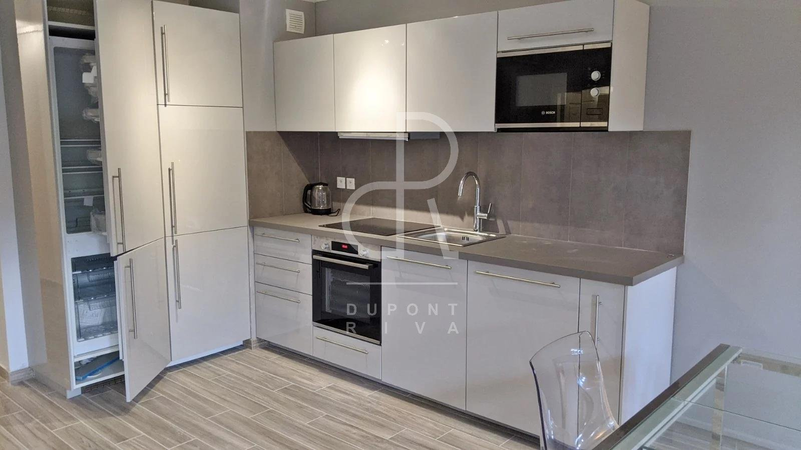 TWO-ROOM APARTMENT IN THE CENTRE BEAUSOLEIL WITH GARDEN
