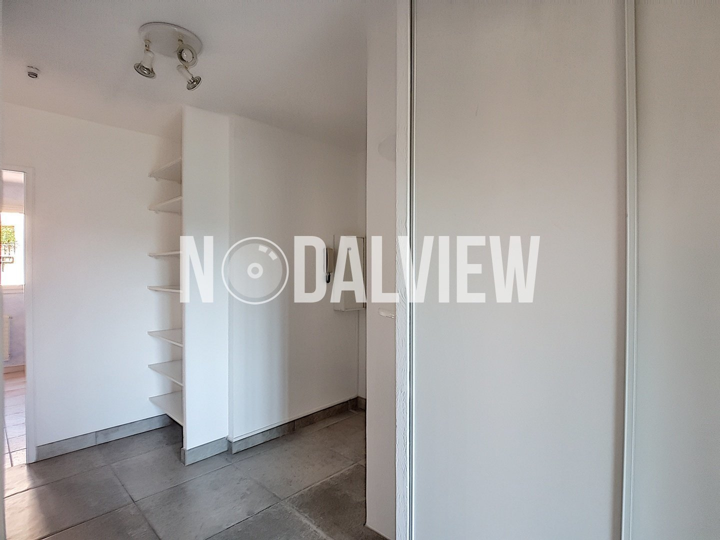 Bright 3 rooms apartment with nice clear view and garage in the heart of Sophia Antipolis