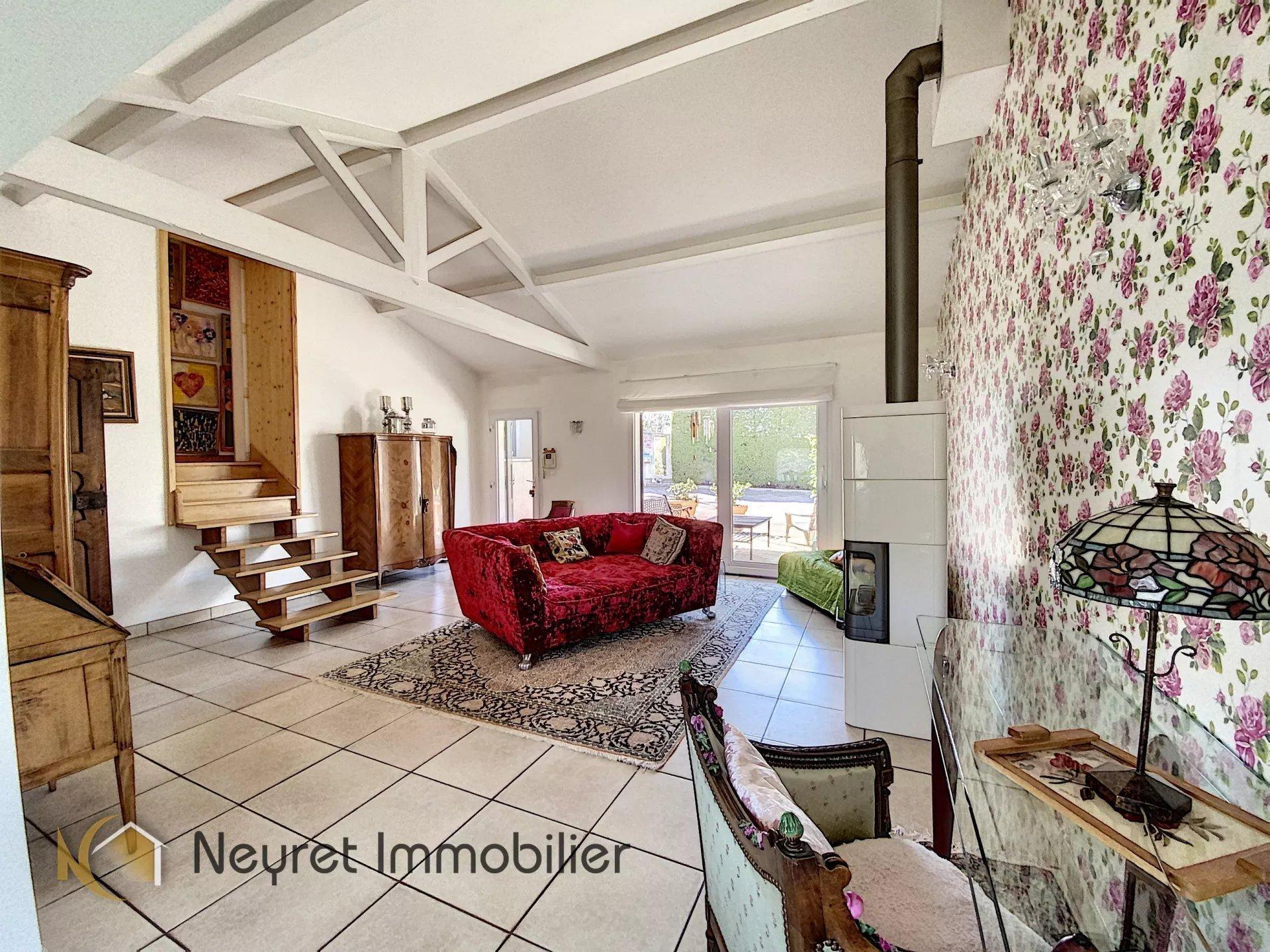 villa atypique 150 m² sur les hauteurs