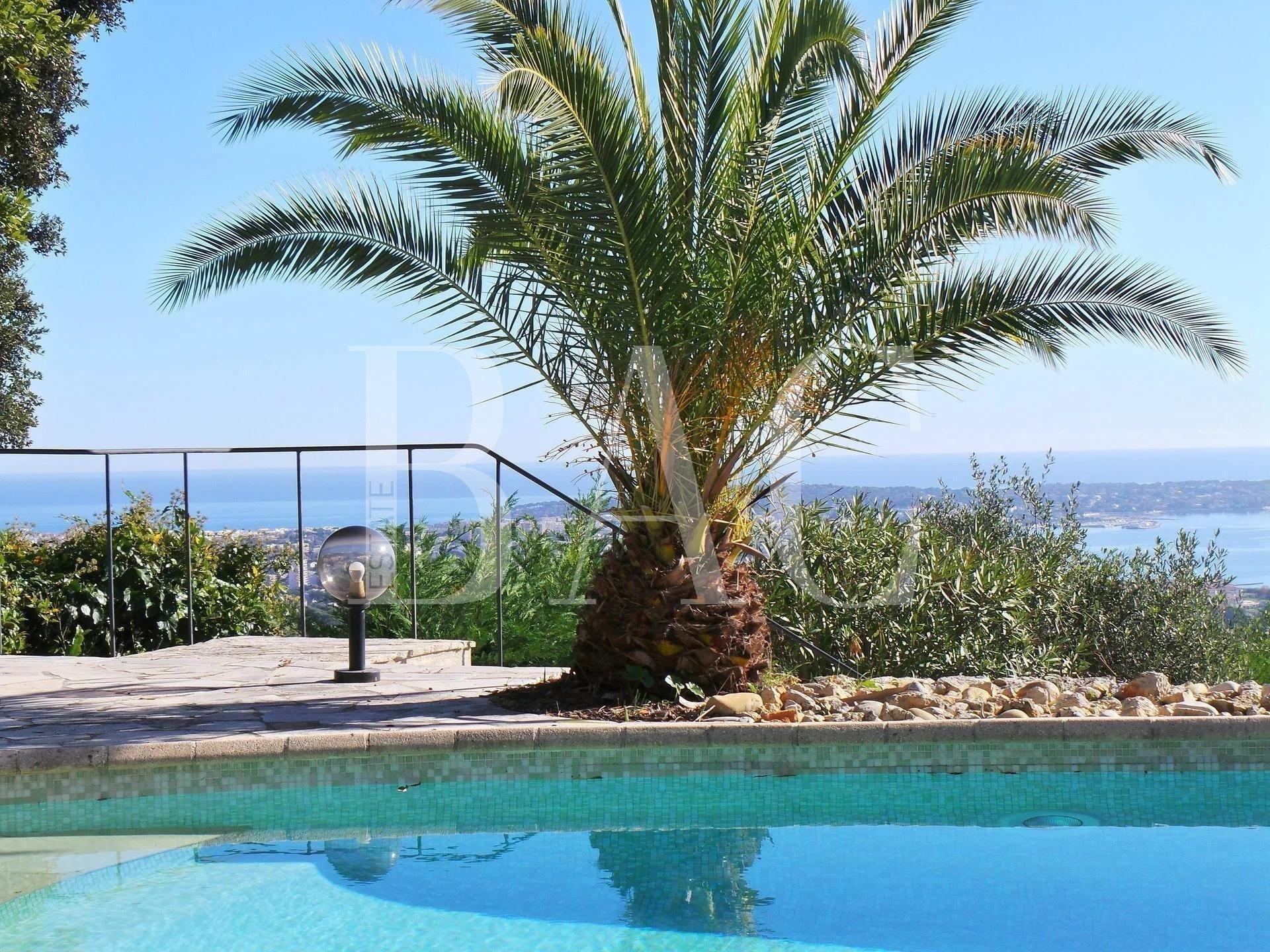 Провансальская вилла с панорамным видом на море в 15 минутах от центра Канн
