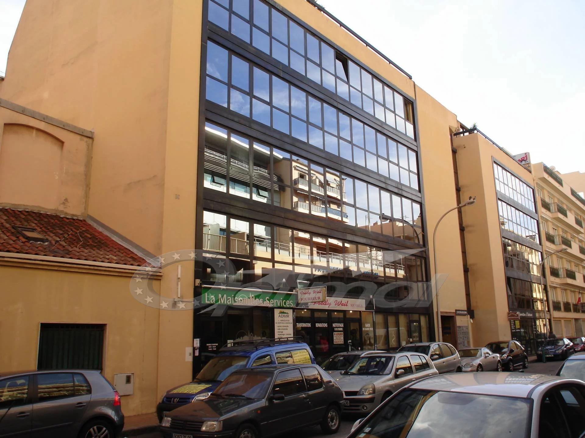 Sale Local - Menton Centre
