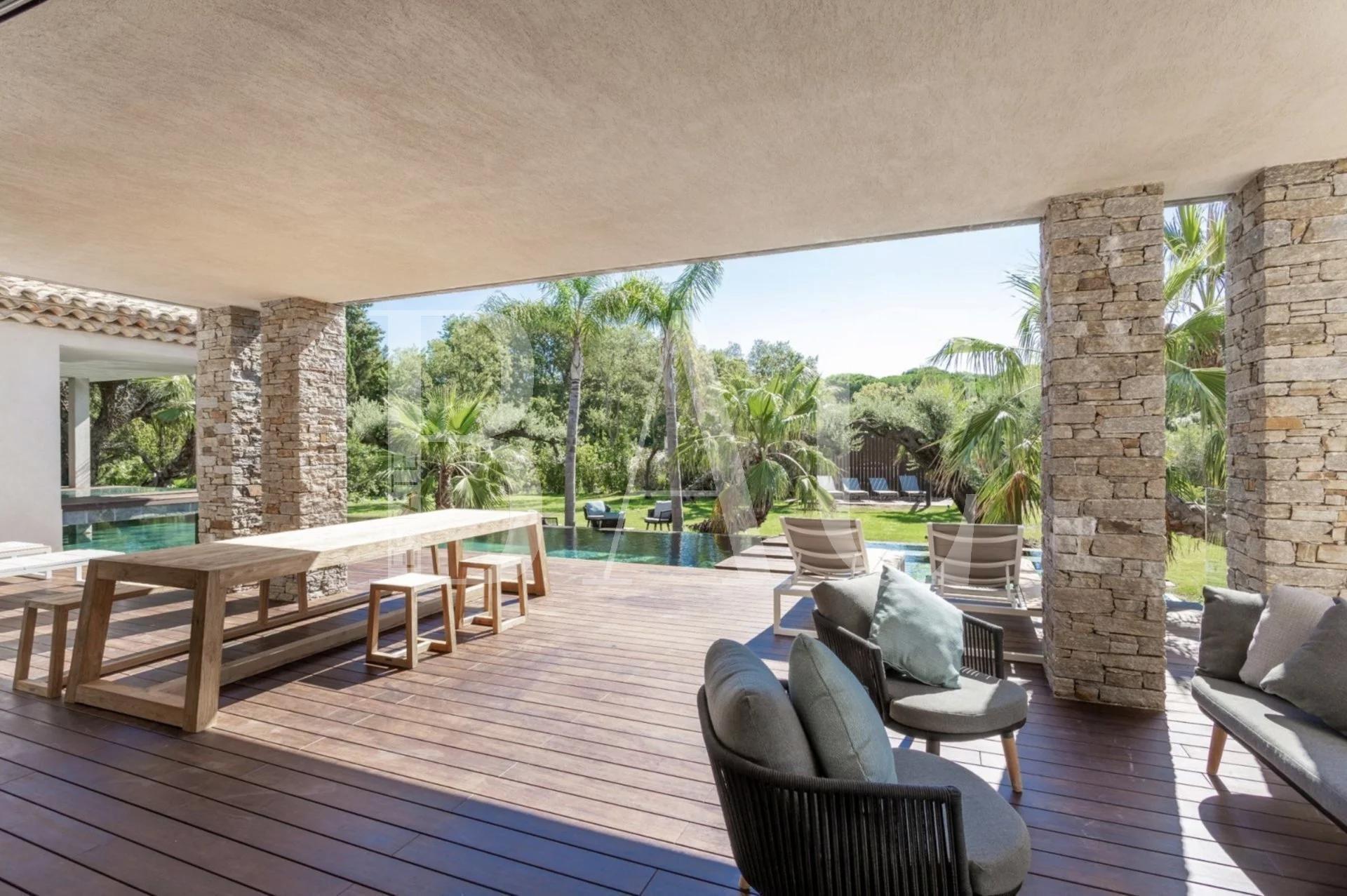 Saint-Tropez, exceptionnelle villa contemporaine