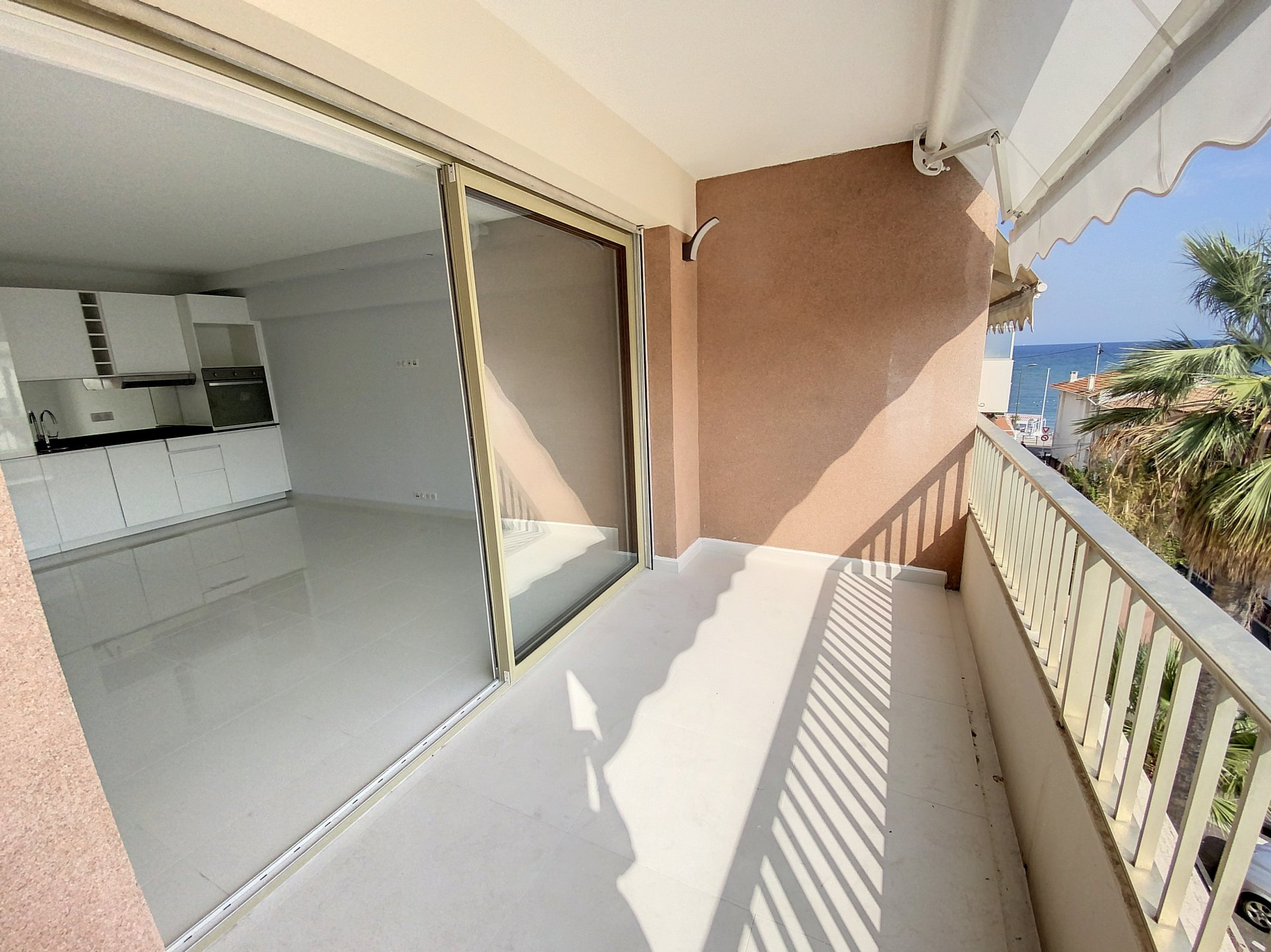Cannes Palm Beach 3p renovated sea view