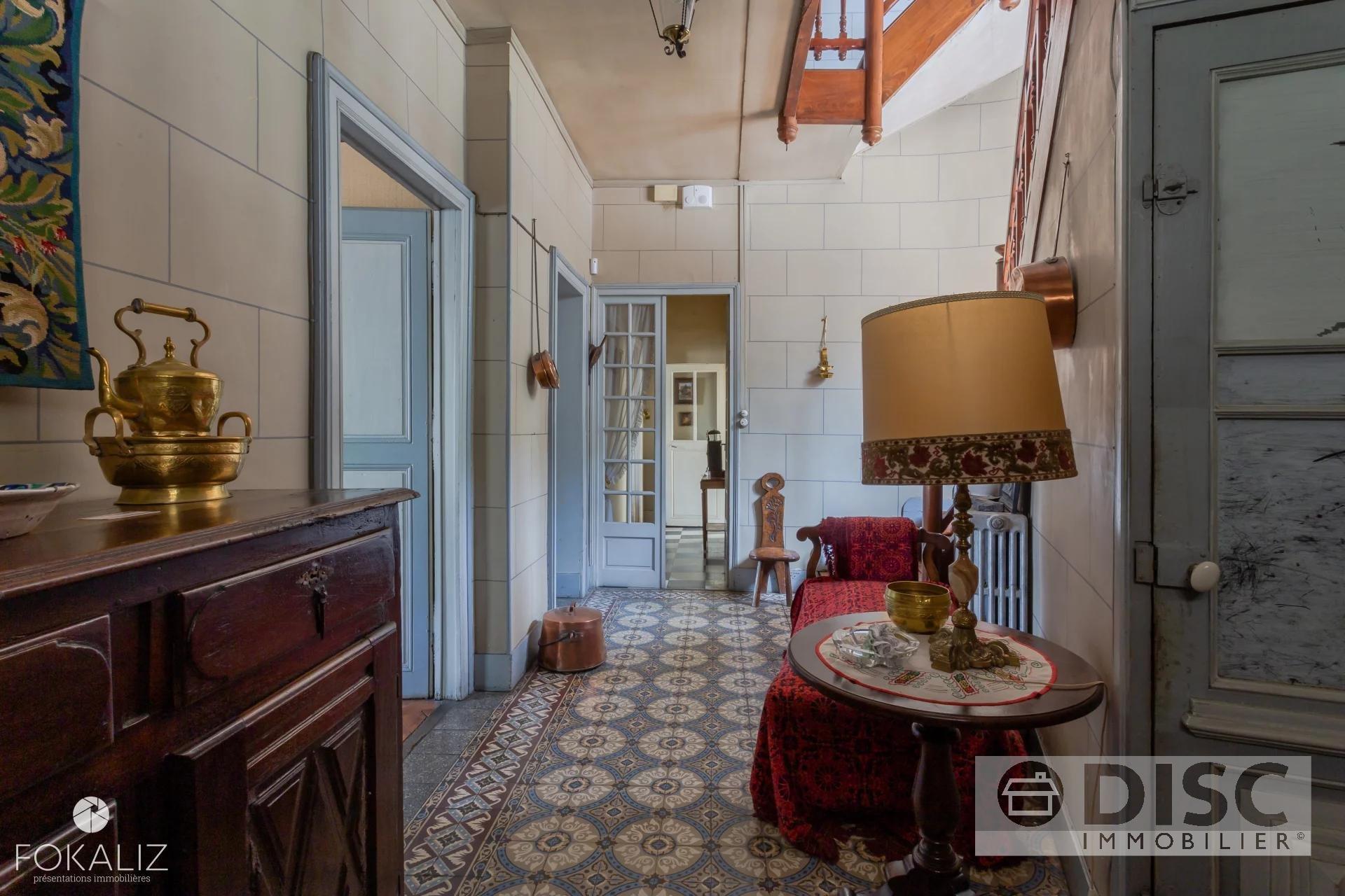 Prachtig te renoveren Maison de Maitre.