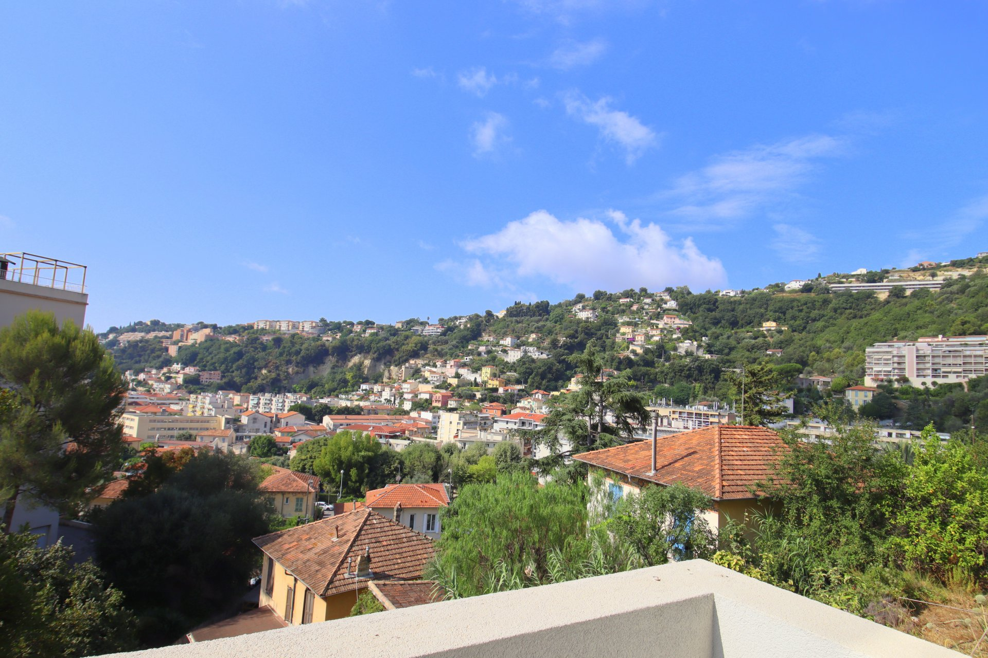 Nice St Sylvestre 3p neuf vue collines