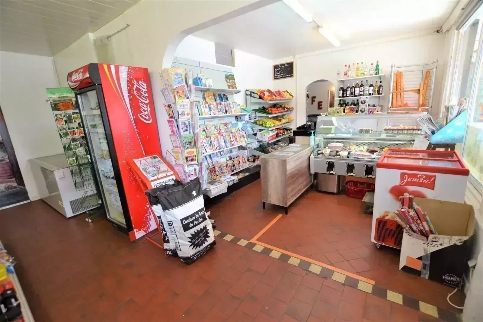 A vendre FOND de Commerce: BAR - Tabac - PMU - FDJ et  EPICERIE à Pavilly