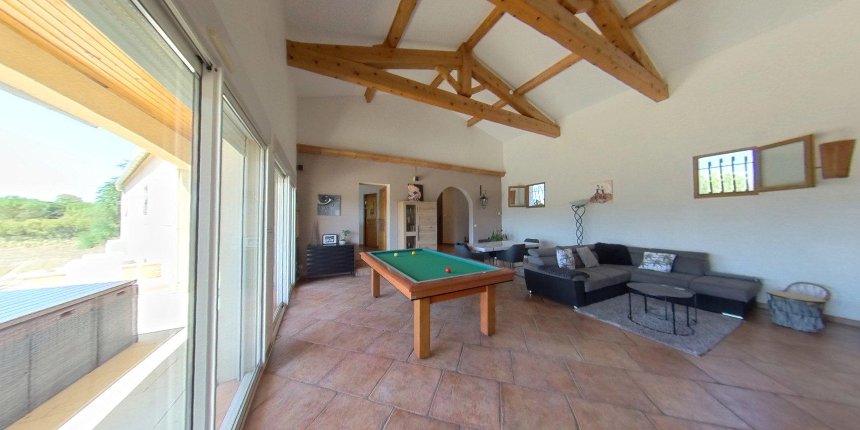 Villa 4 faces 148 m² + garage 91 m² sur parcelle 4792 m²