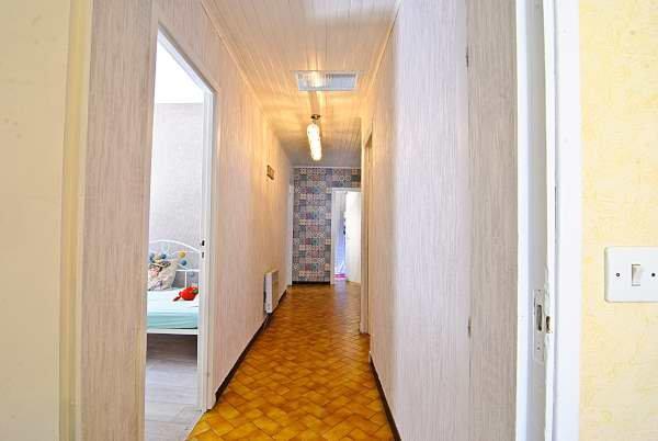 Belle maison avec 3 chambre et cour au pied de la Montagne Noire