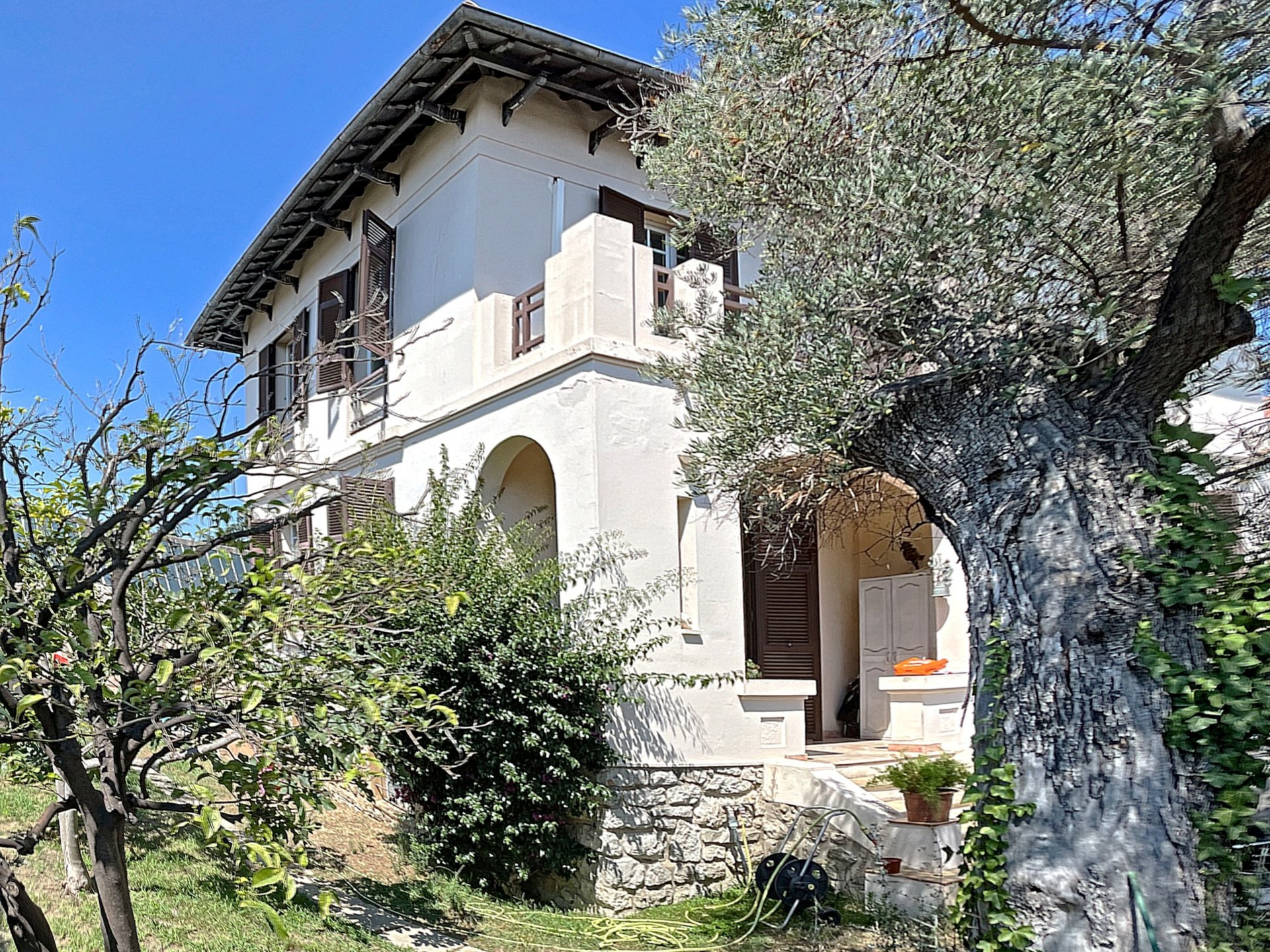Antibes 4 bedroom Villa of 120m² with garden and pool