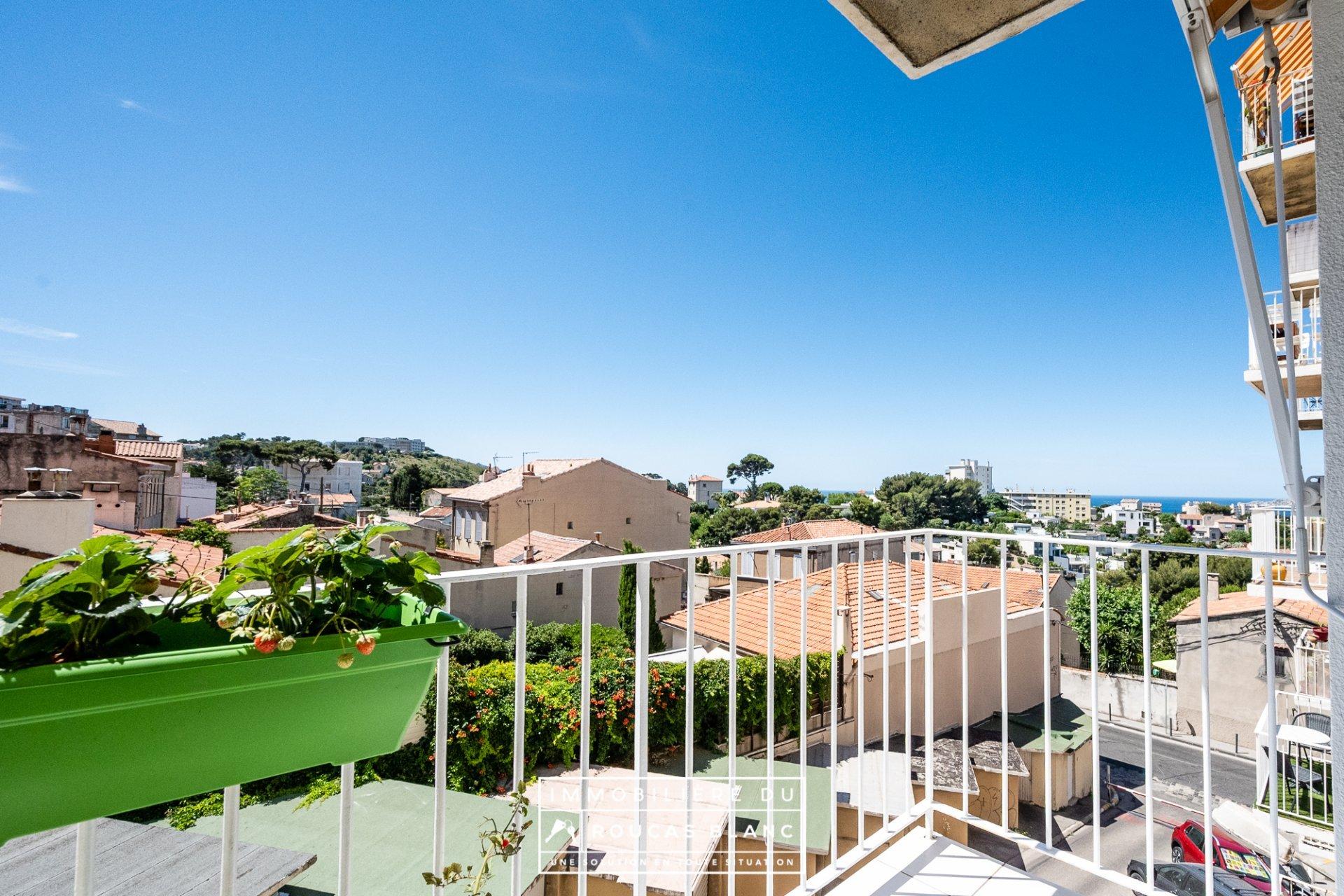 T4 avec balcon et vue mer Roucas Blanc