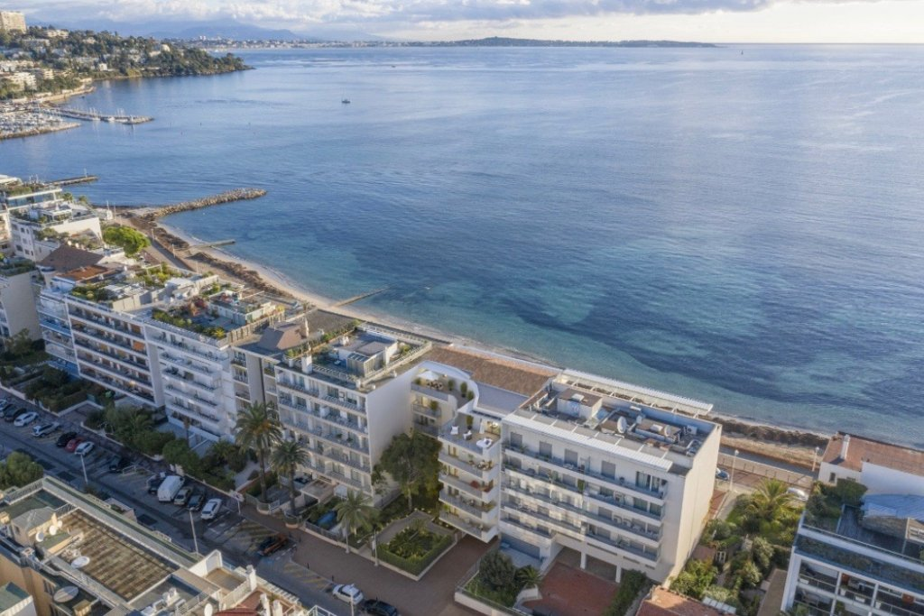 CANNES - French Riviera - Prime location - one bed apartment with panoramic sea view