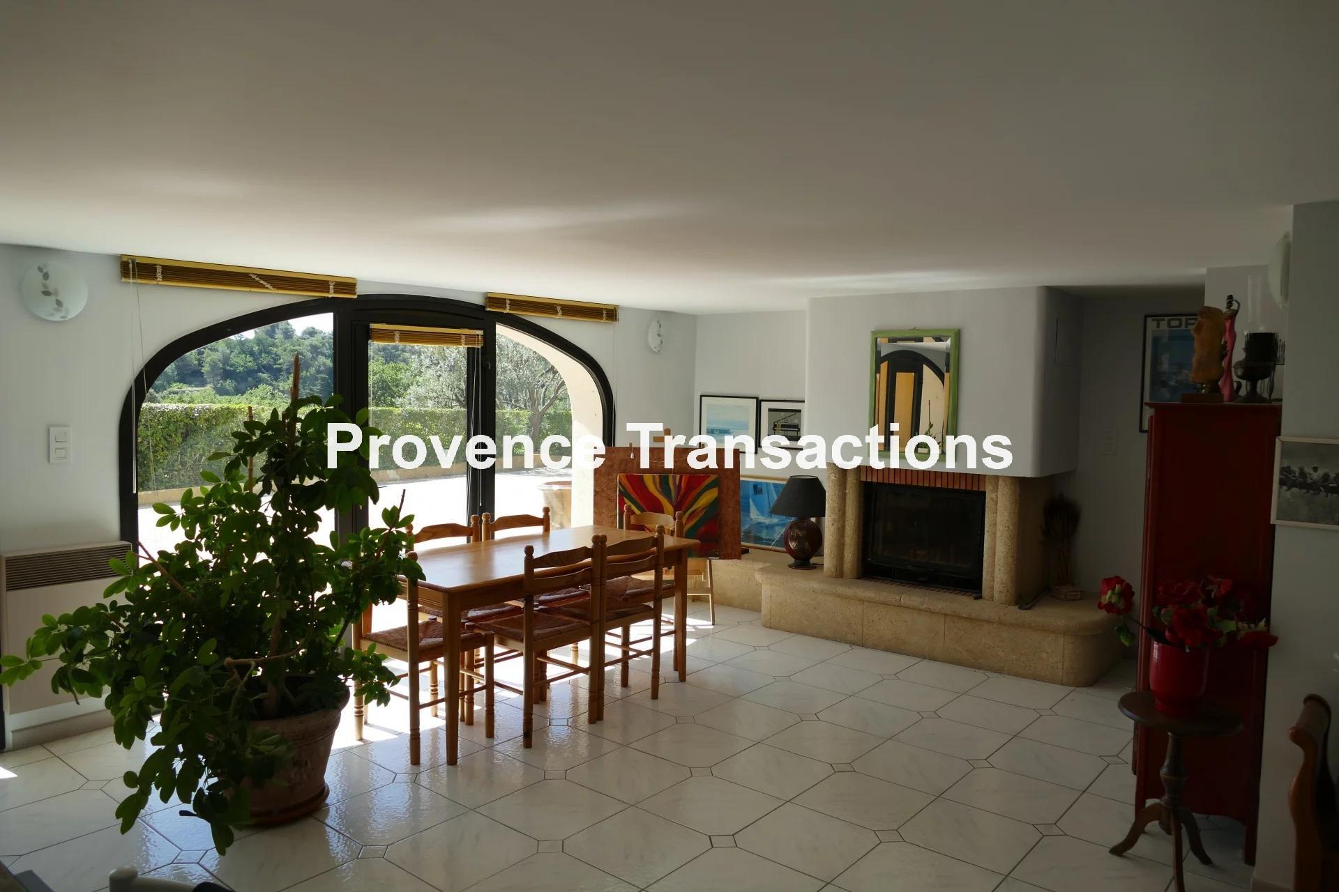 Propriété avec belle vue et 8 chambres
