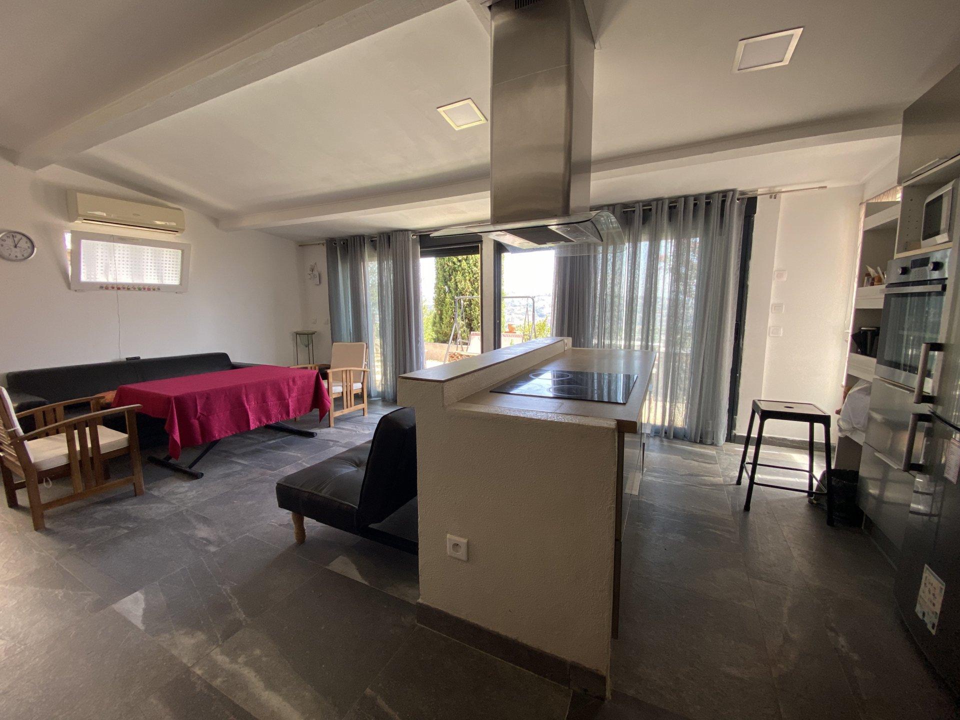 Loft atypique - SAINT-LAURENT-DU-VAR, 2 chambres avec jardin et vue dégagée