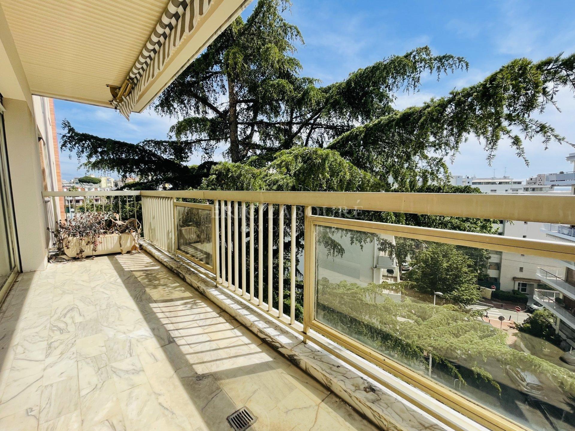 Seasonal rental Apartment - Cannes Pointe Croisette