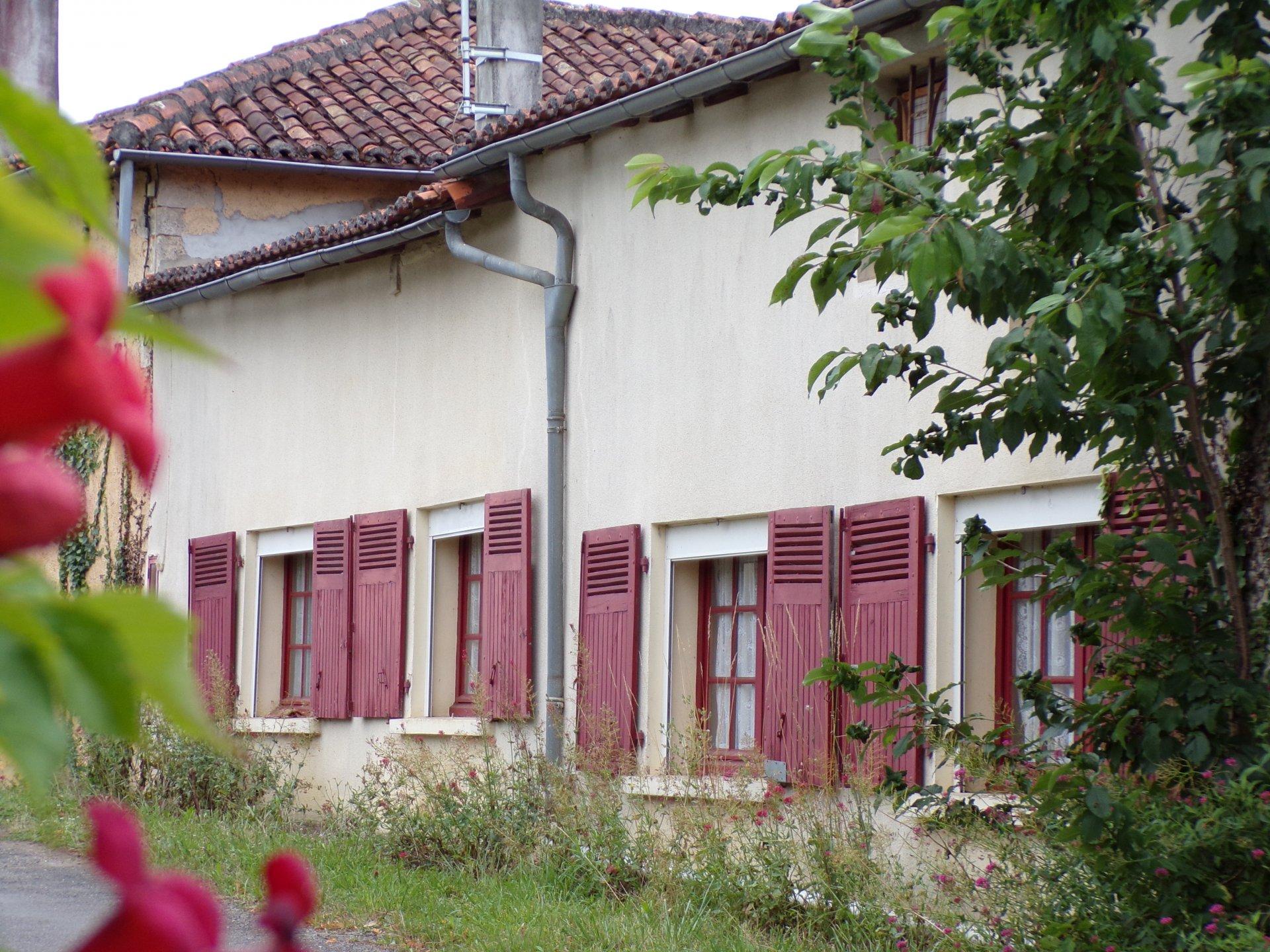 A 5 mn de Verteuil sur Charente