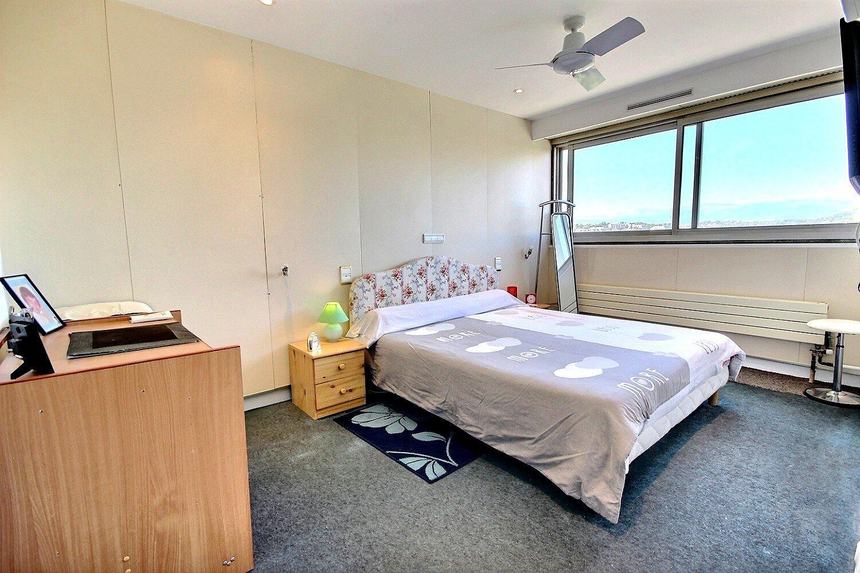 3 room flat on last floor in Cannes La Bocca