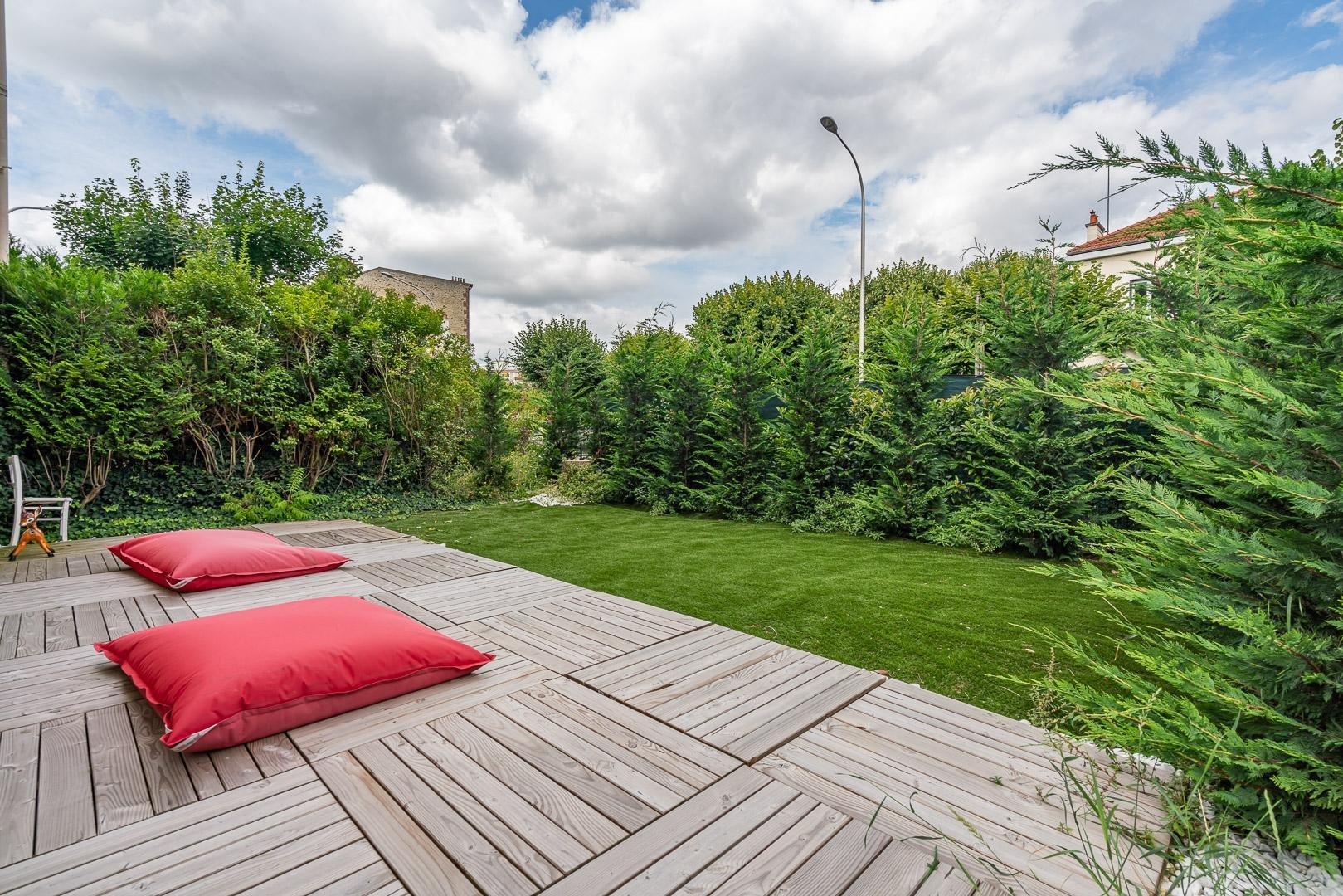 Appartement 4 pièces 78 m² avec  grand jardin privatif, terrasses et box
