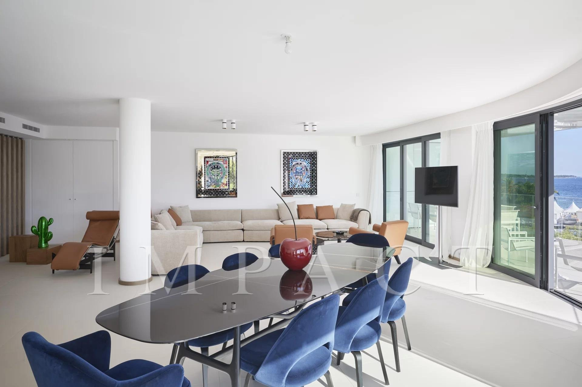 Luxury apartment for rent sea view in Cannes