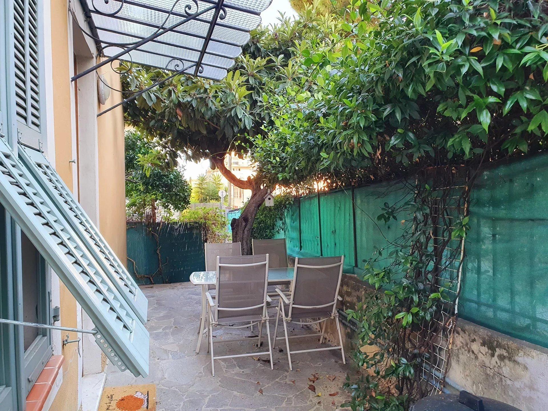4 pièces Nice Nord - Bas de villa au calme