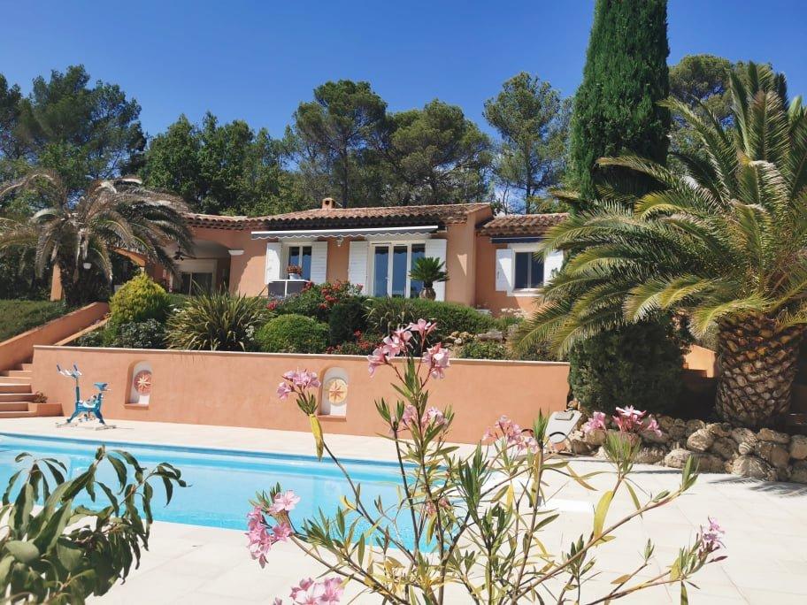 A VENDRE LORGUES Belle villa sur 4000 m² T5