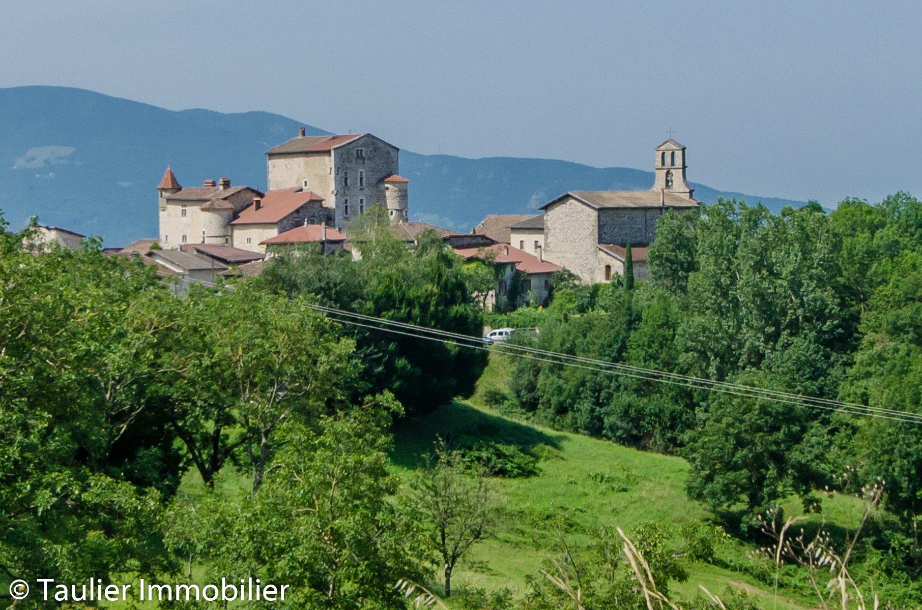 Magnifique château du XIIIème siècle