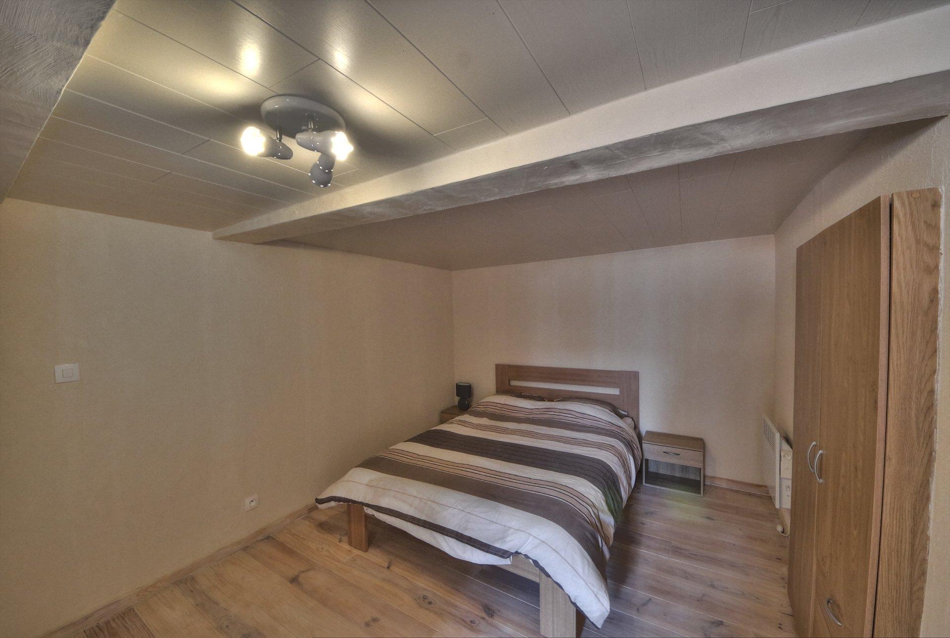 Chambre 2ème étage - belle rénovation - Aups Verdon Var
