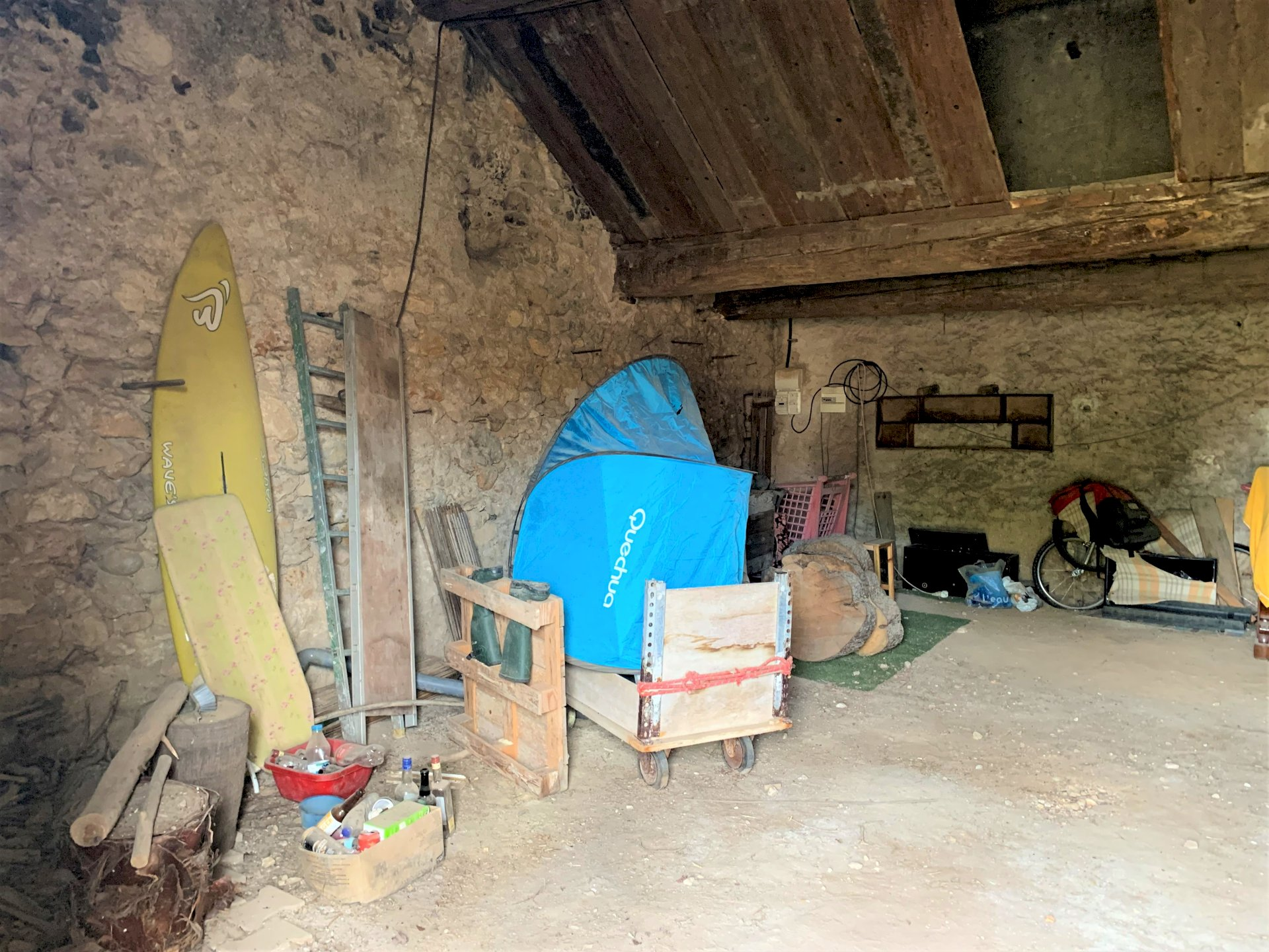Sale House - Caves
