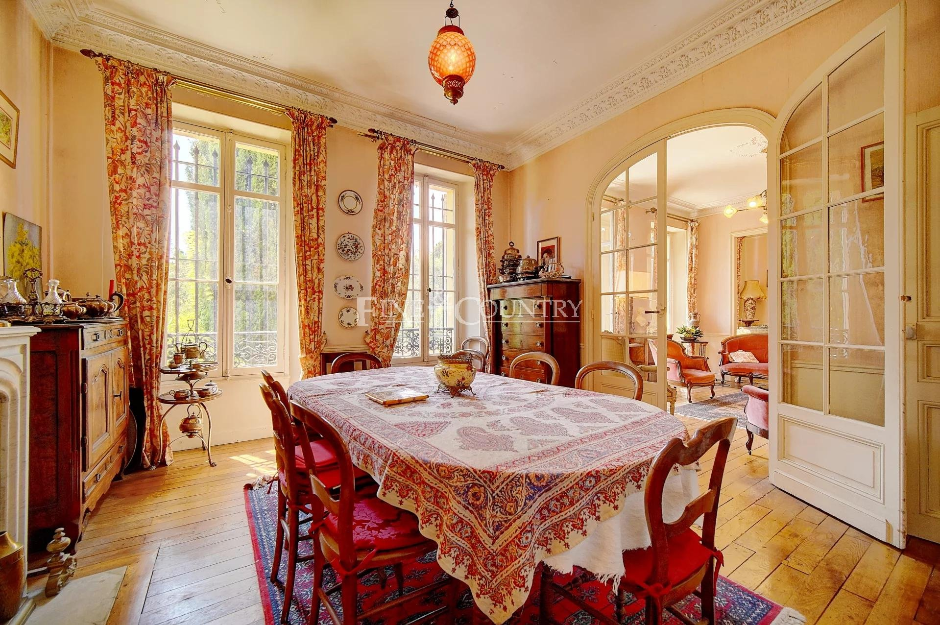 Historic Bourgeois 19th century Villa for Sale in Cannes