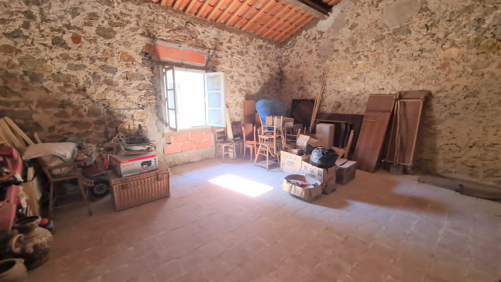 Gruissan Spacieuse maison de village T6 avec cour et garage