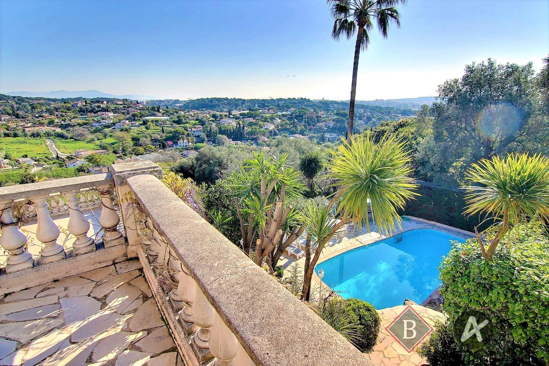 Golf Juan Retenaou - Stupenda villa con vista panoramica