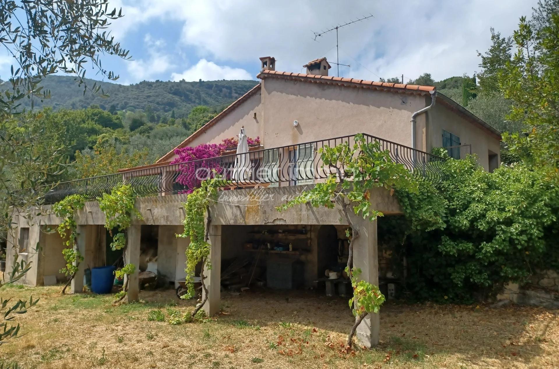 Vente Villa à rénover dans quartier prisé de Grasse