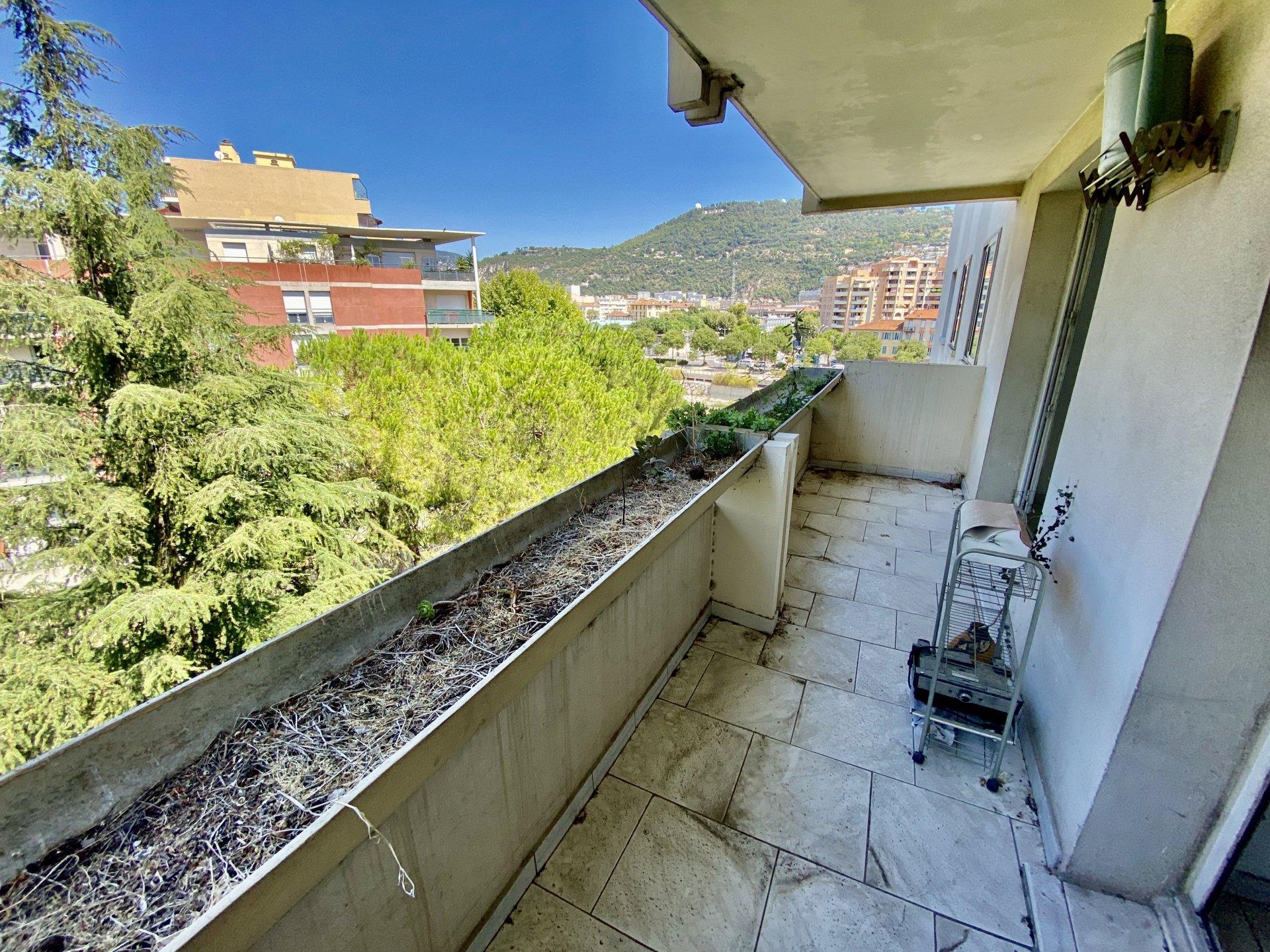 Acropolis - F2 avec terrasse et cave 142 000 € H.A.I
