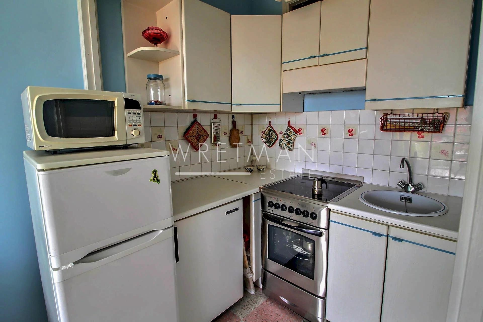 1 bedroom apartment with balcony and cellar, sea view - Menton
