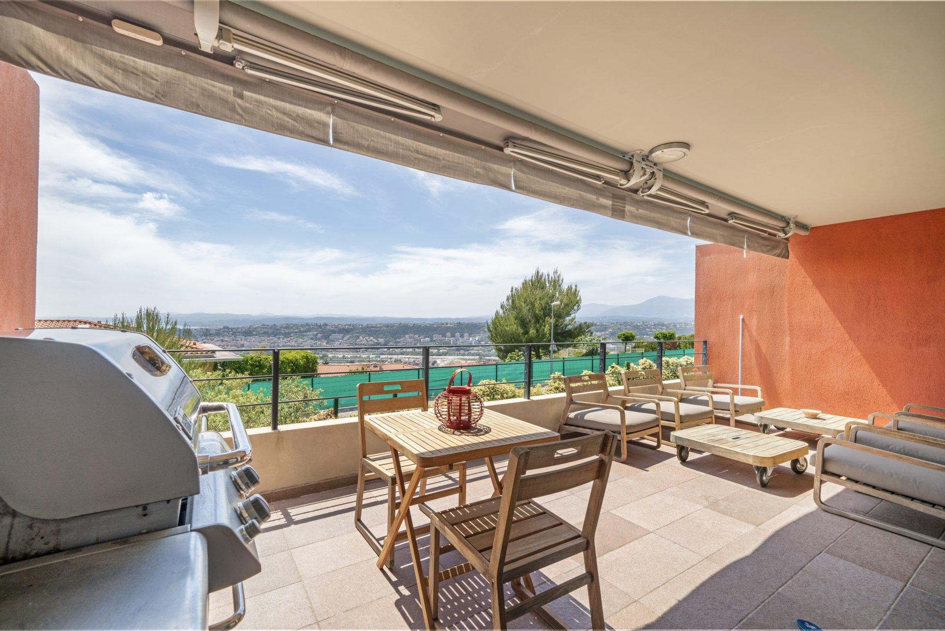 Appartement / Villa + Terrasse, jardin, double garage