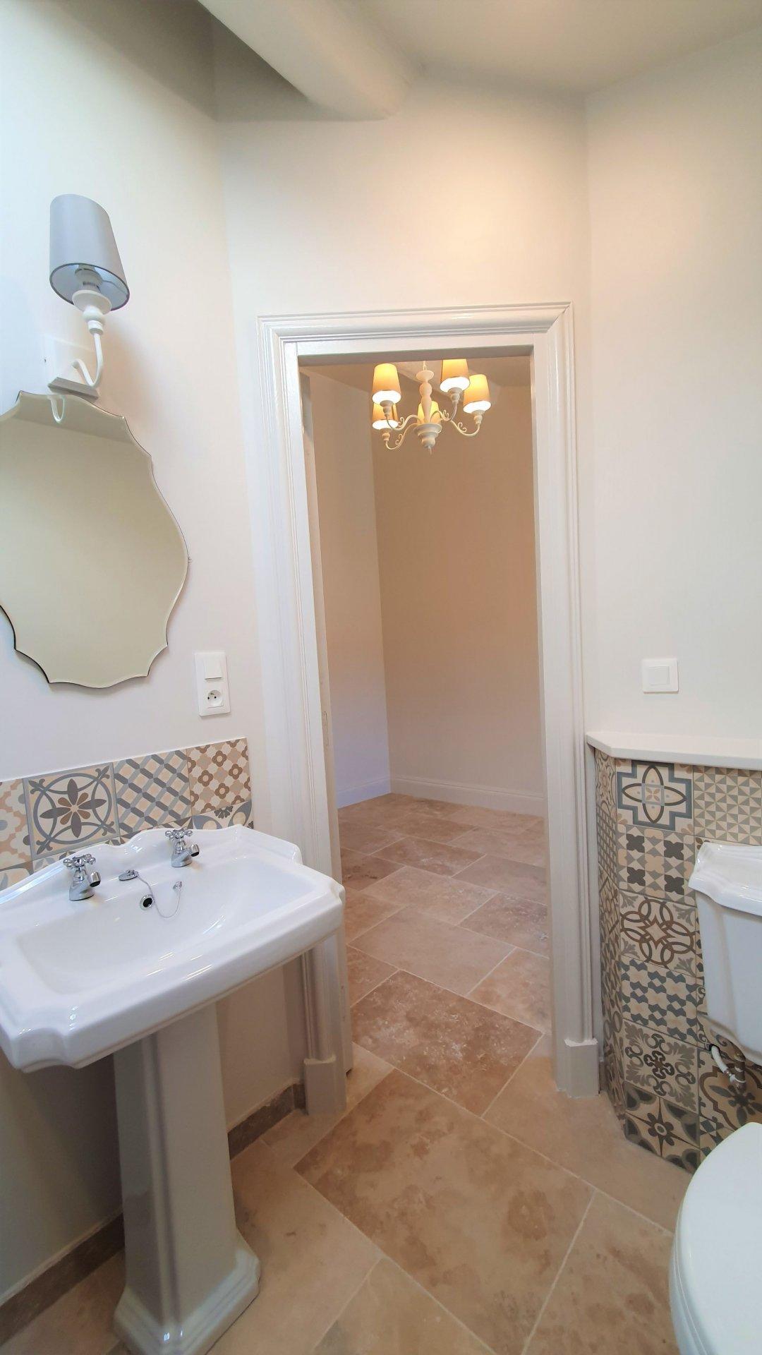 Superb renovation - village house - 2 bed, 2 bath