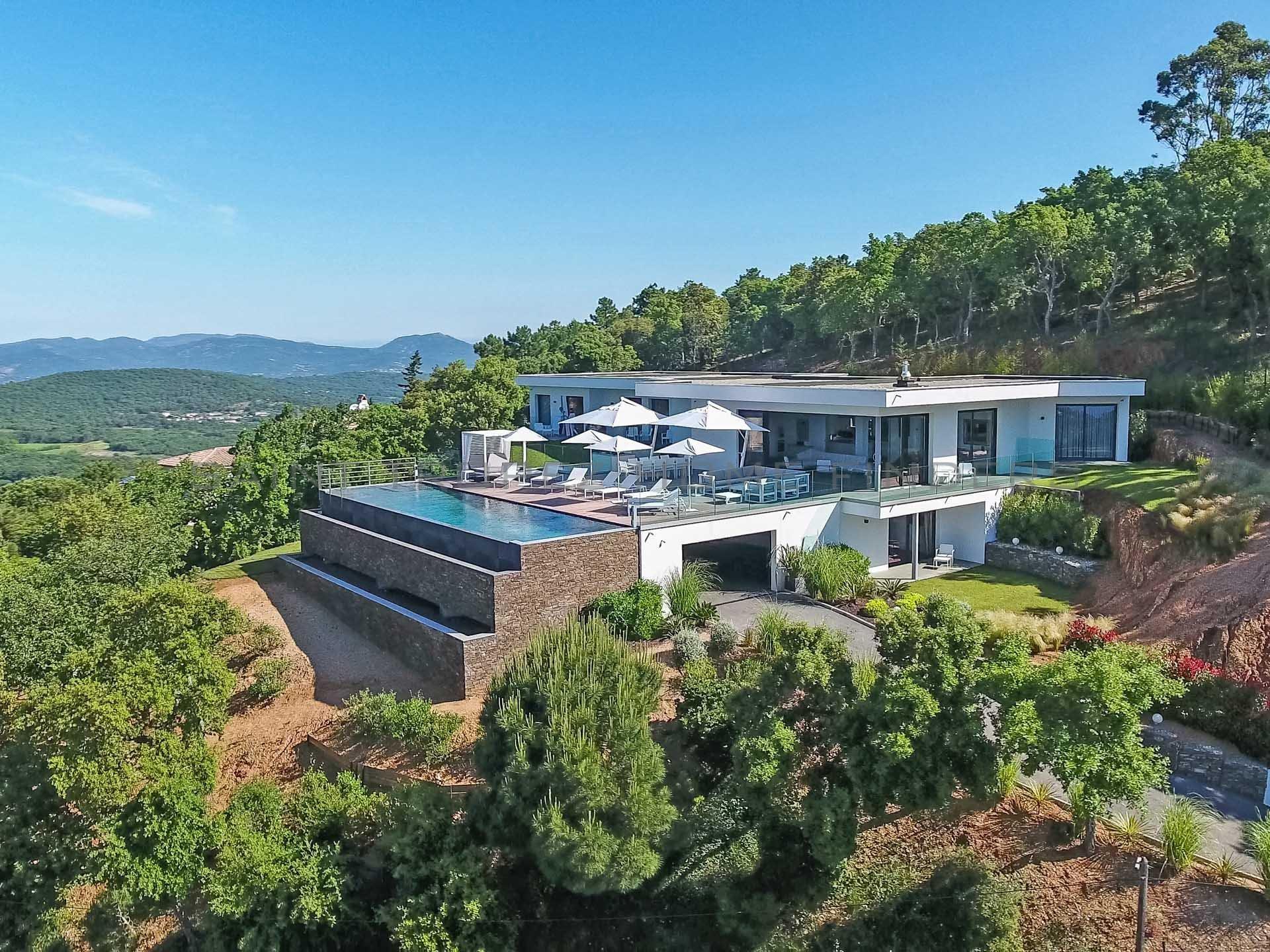Villa neuve avec vue mer panoramique