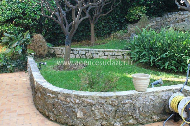 Villa with a lot of charm walking distance from the beach Eze