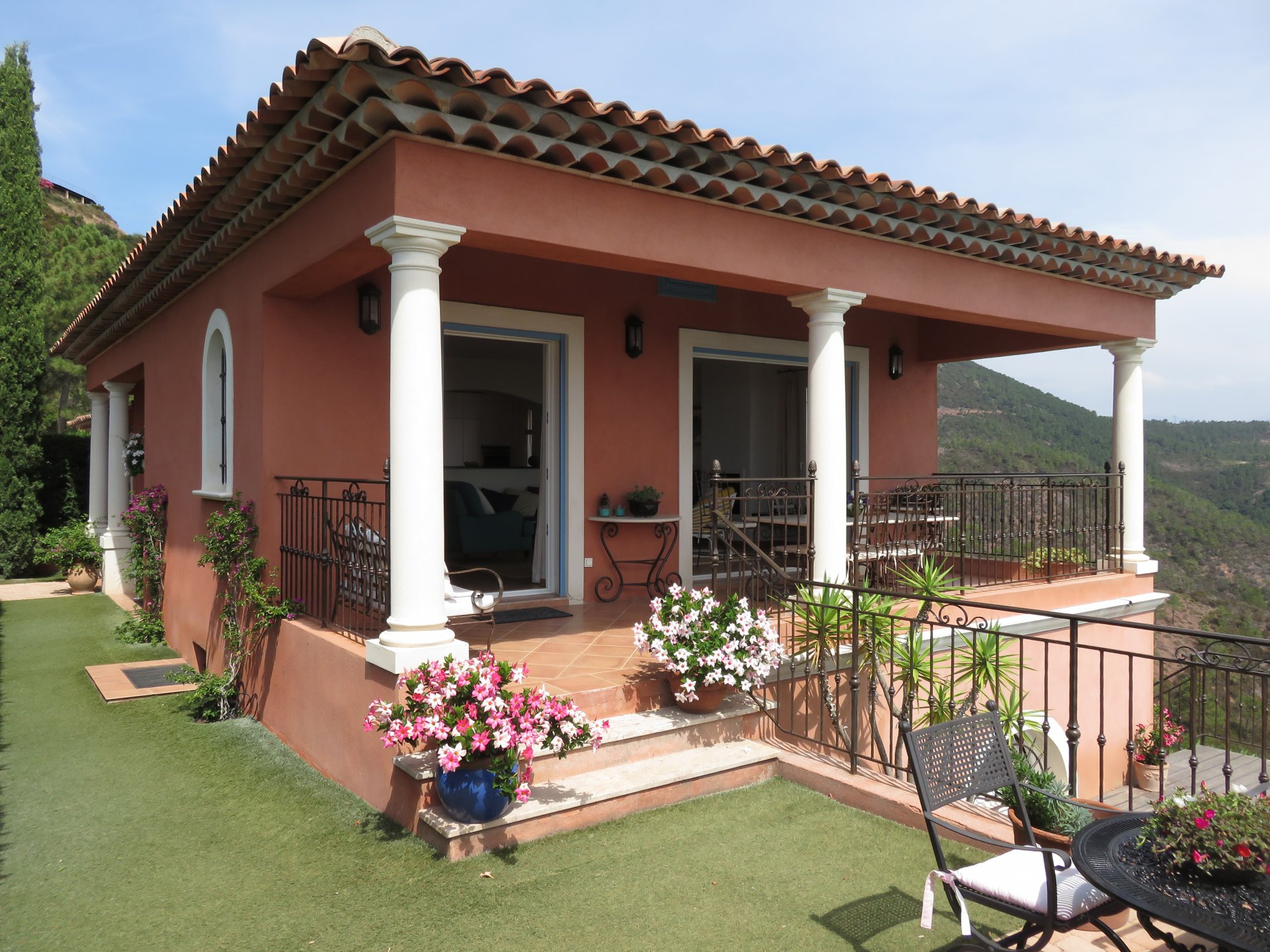 Villa of 4 rooms with panoramic sea views
