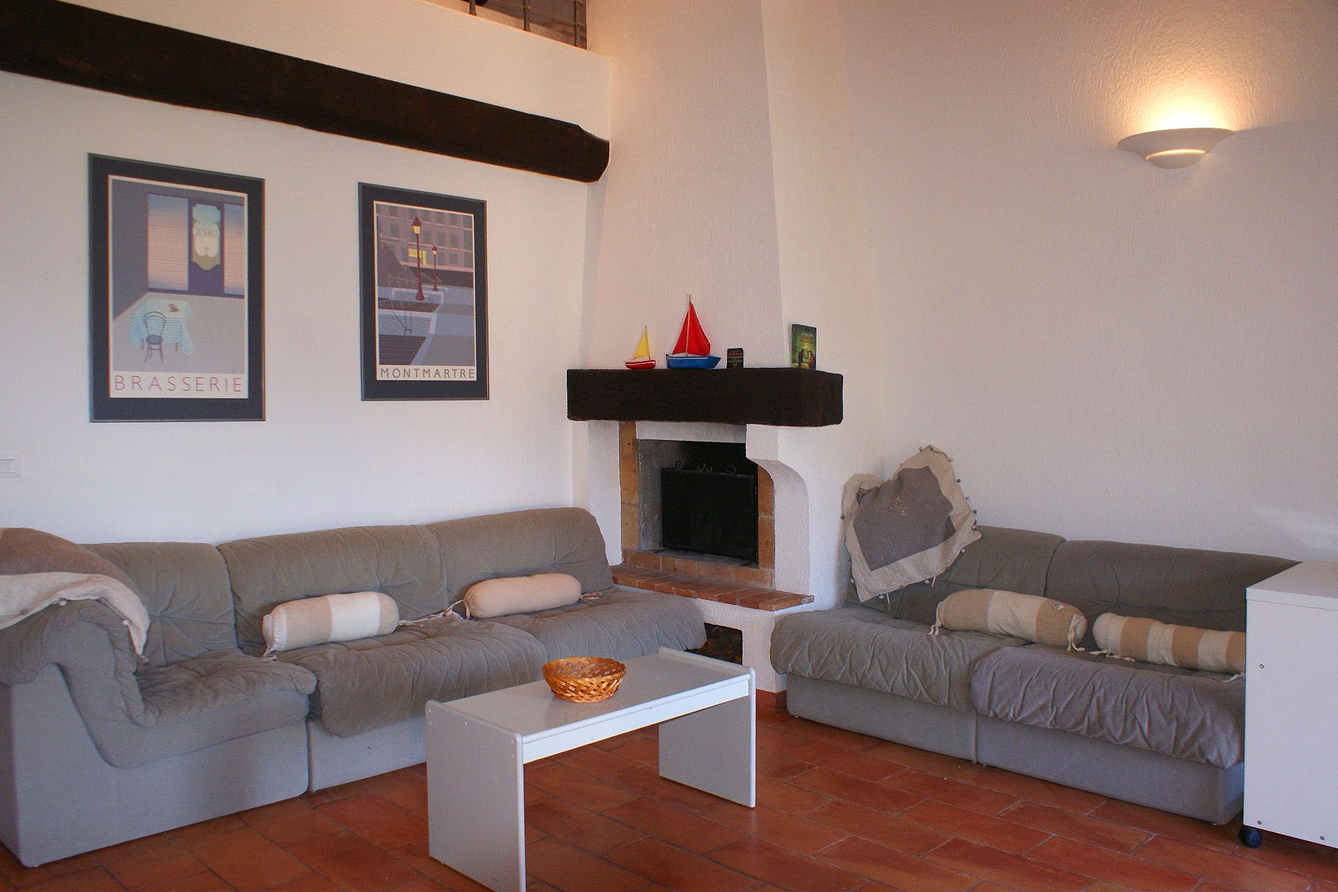 living room,  bed room + mezzanin  (4 sleeps), kitchen, terrasse, sea view  * ROCA 3B *