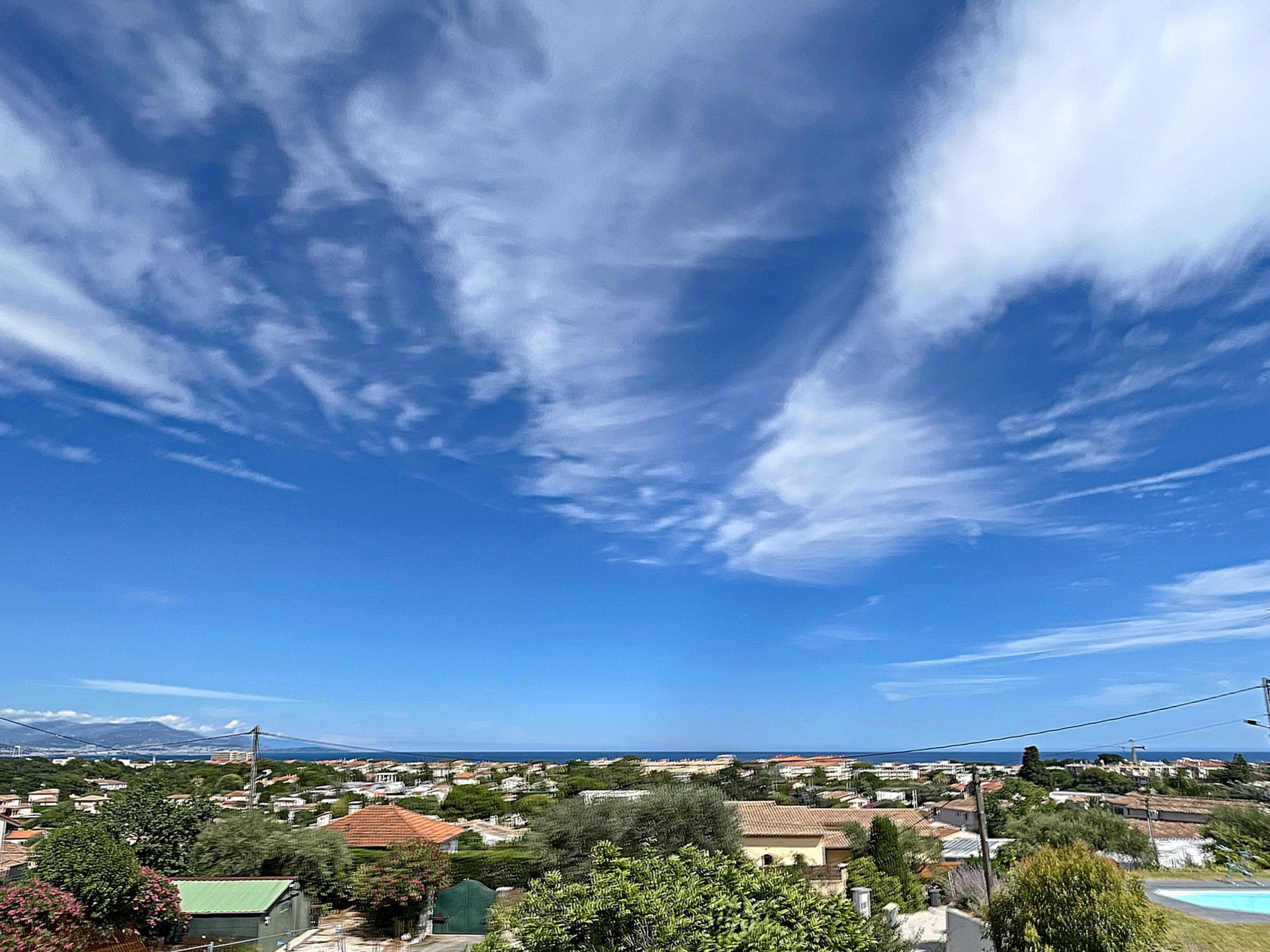 ANTIBES. For sale panoramic sea view 3 bedrooms apartment of  93.50m²