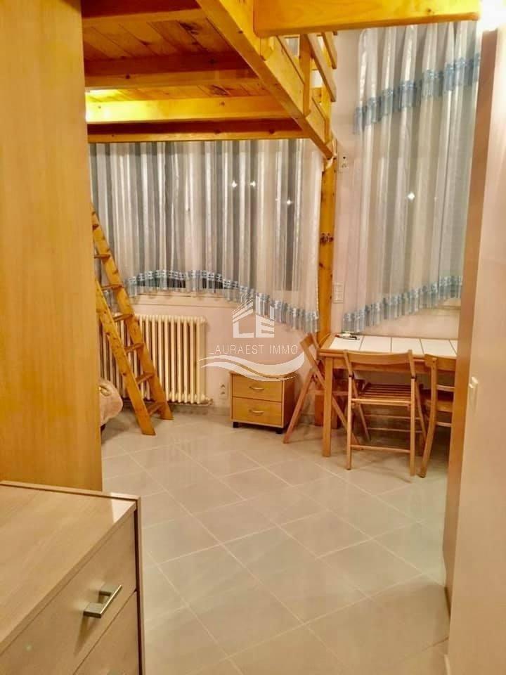 Studio avec mezzanine /Zone Pietone