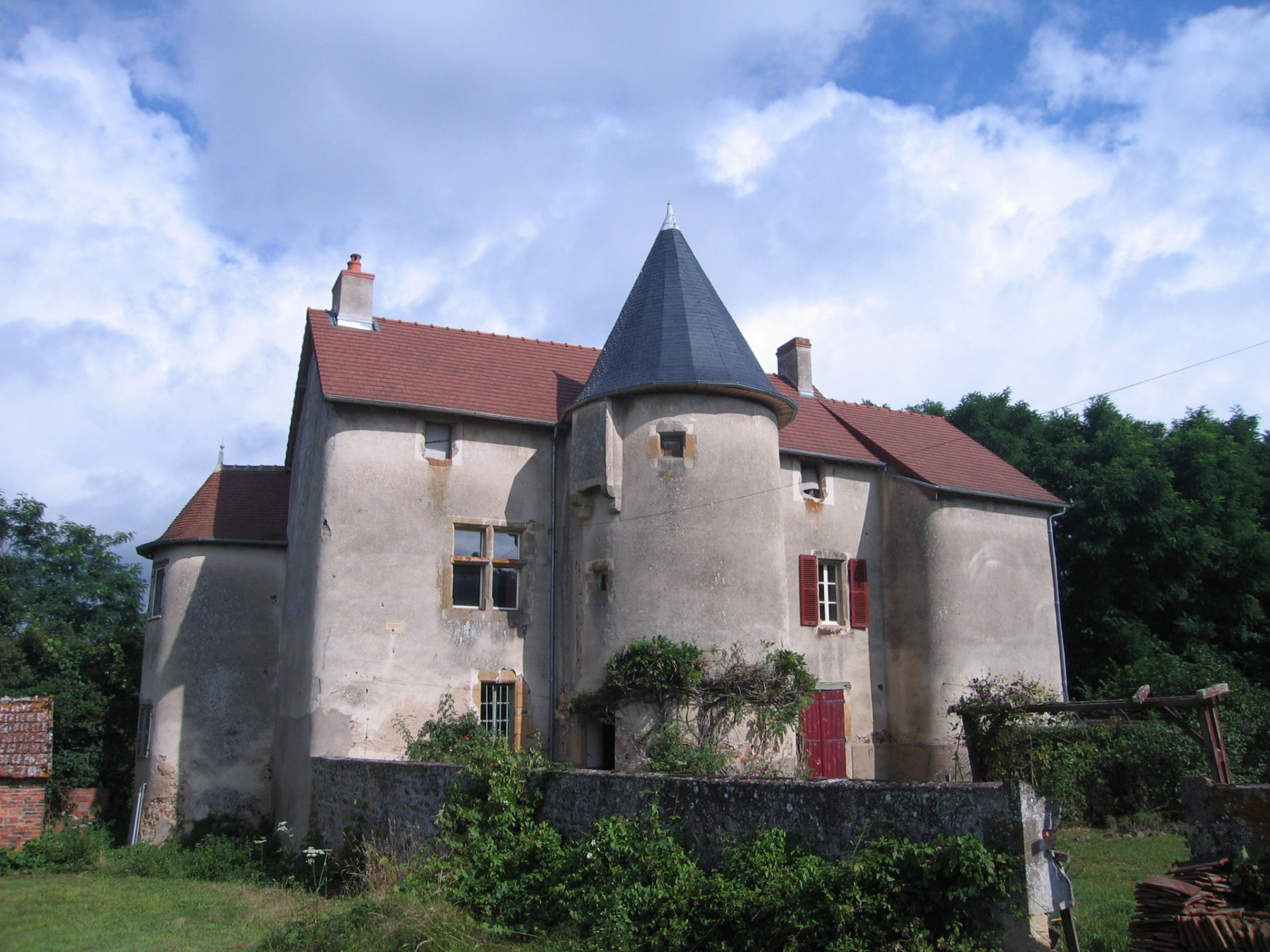 12th century castle for sale in Burgundy
