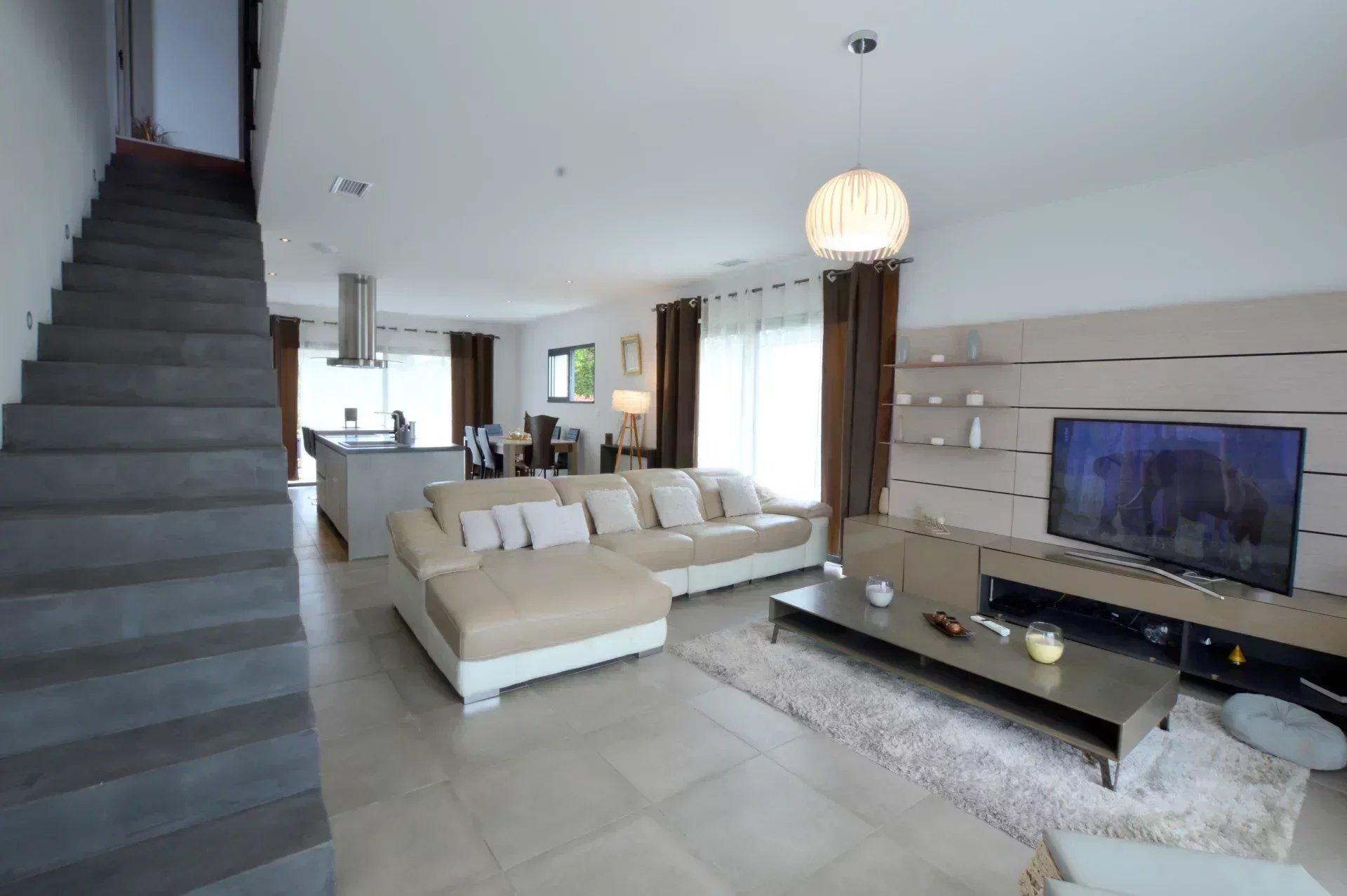 Maison 5 pièces de 125 m² Juvignac