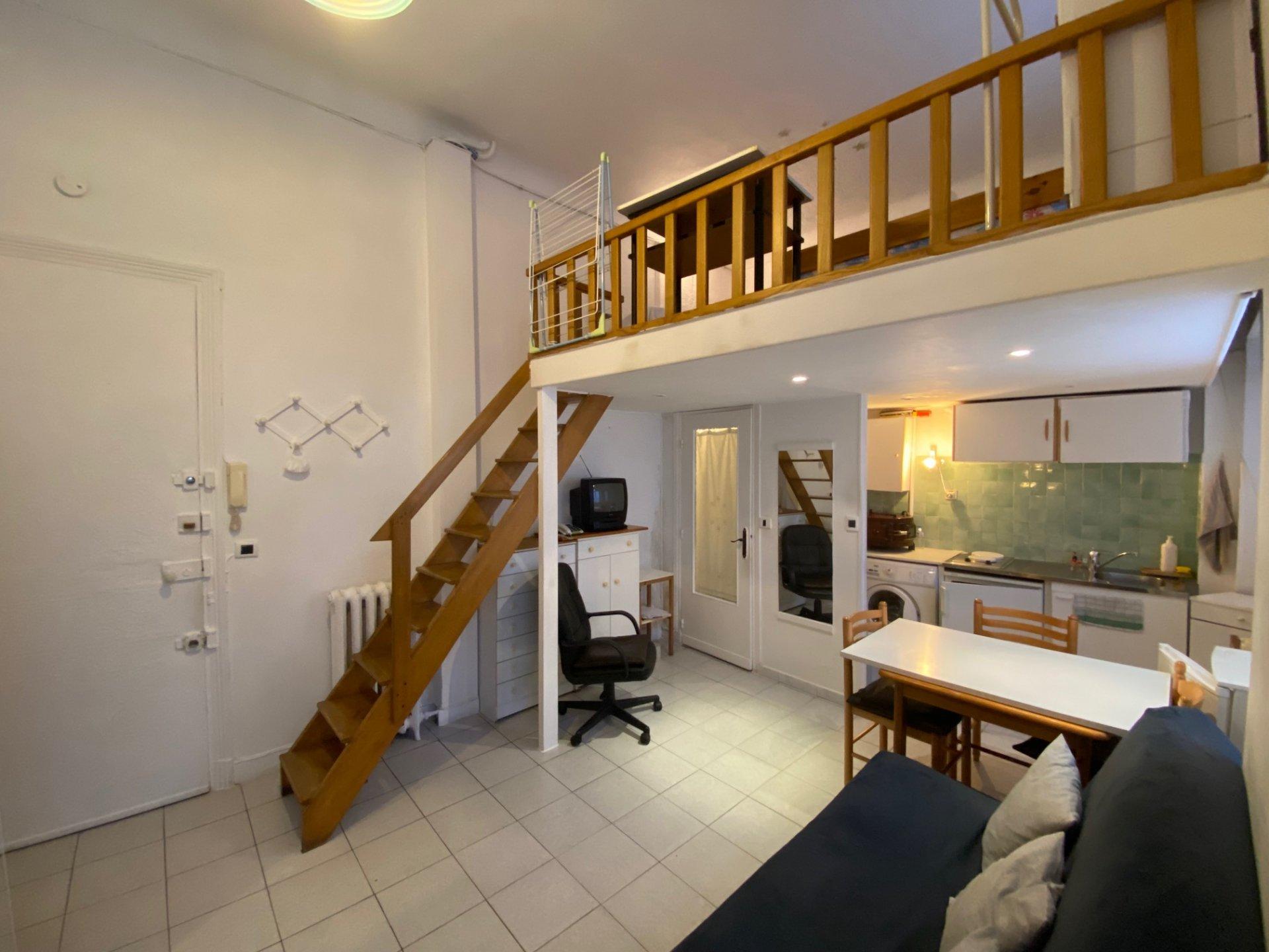 CARRE D'OR, Studio avec mezzanine